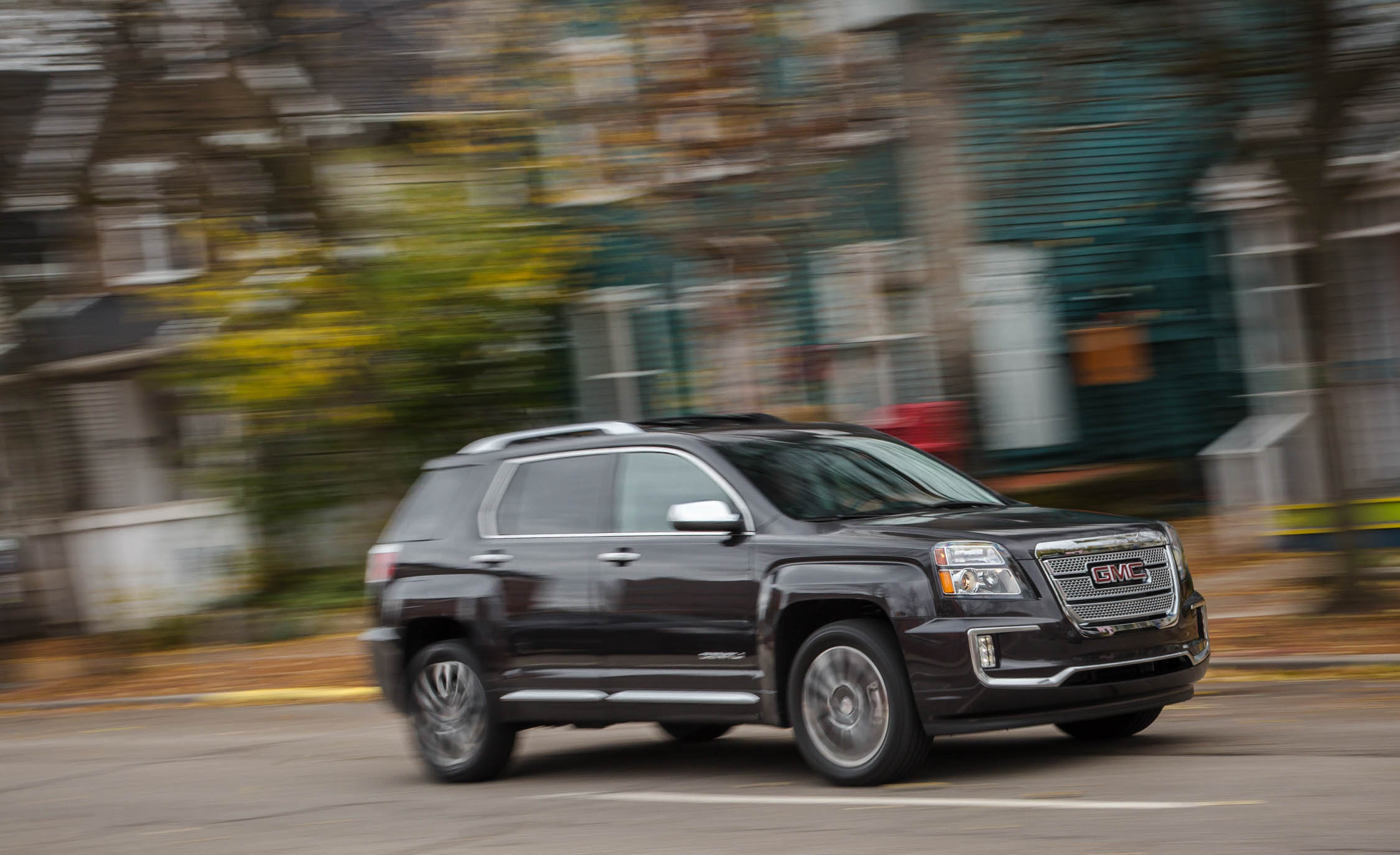 2016 GMC Terrain Pictures Gallery (24 Images)
