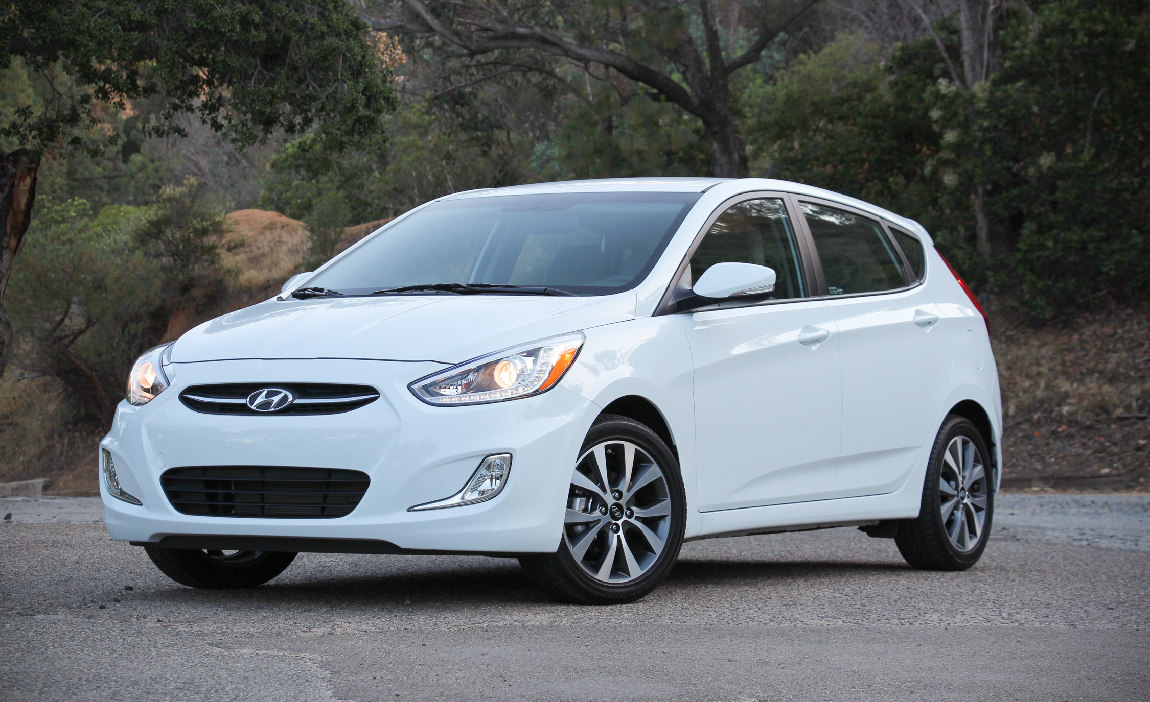 Featured Image of 2016 Hyundai Accent