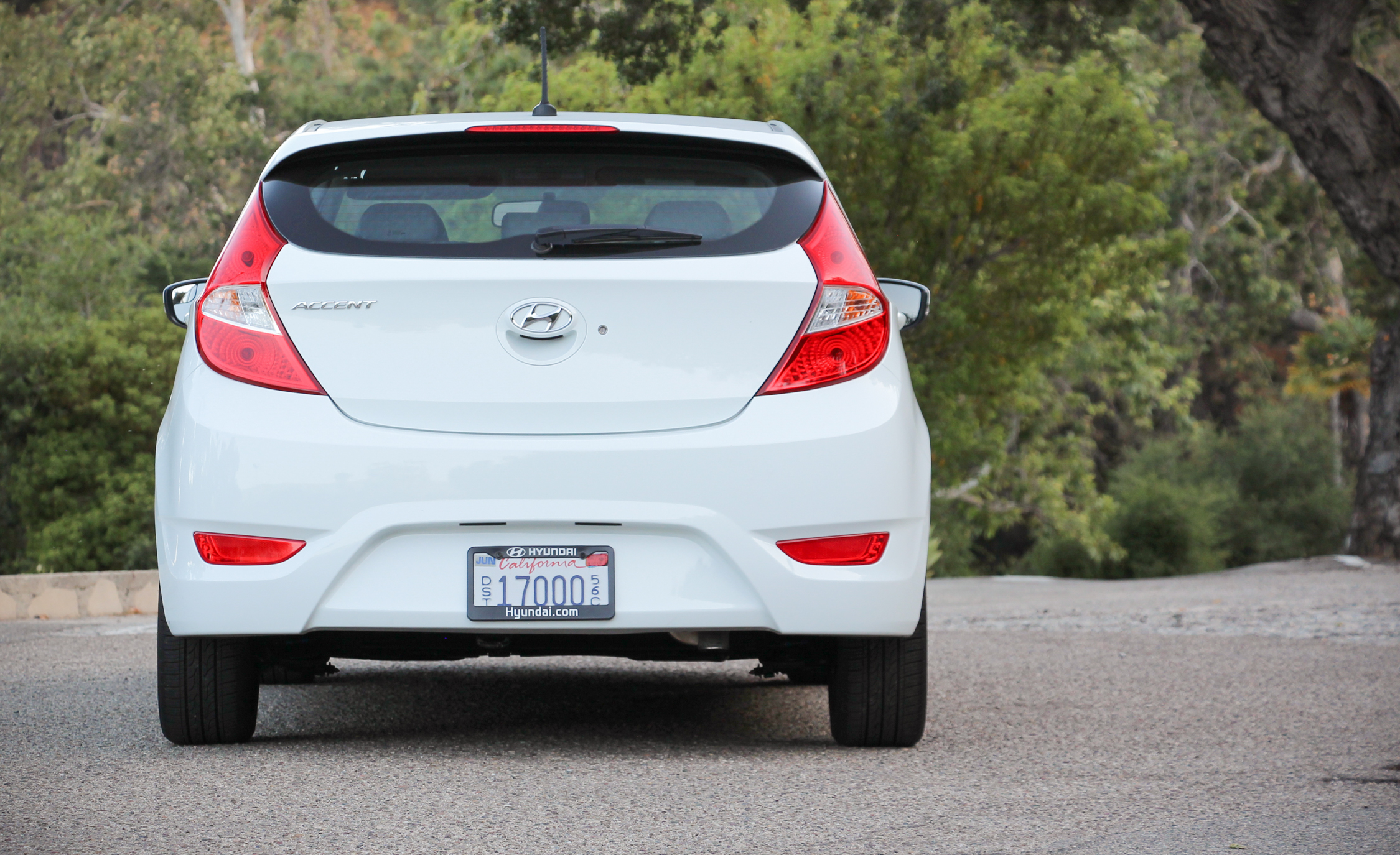 2016 Hyundai Accent Sport Hatchback (Photo 6 of 13)