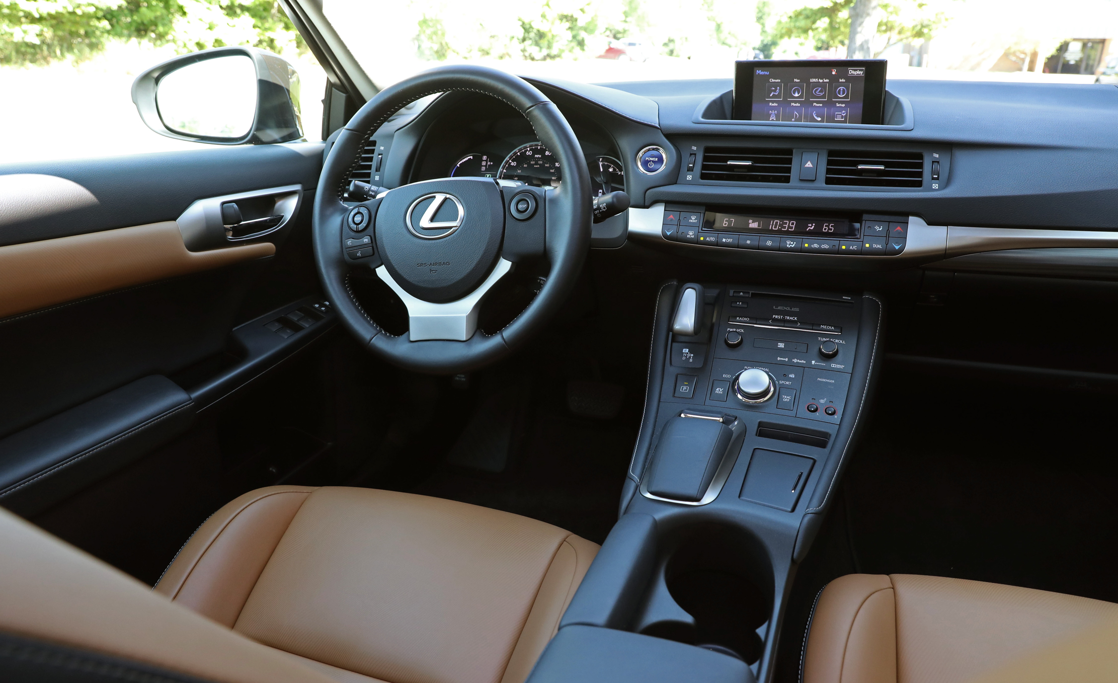 2016 Lexus CT200h (View 4 of 29)