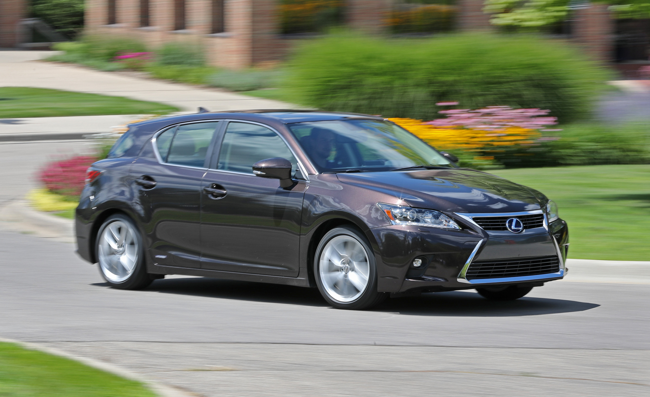 Featured Image of 2016 Lexus CT200h