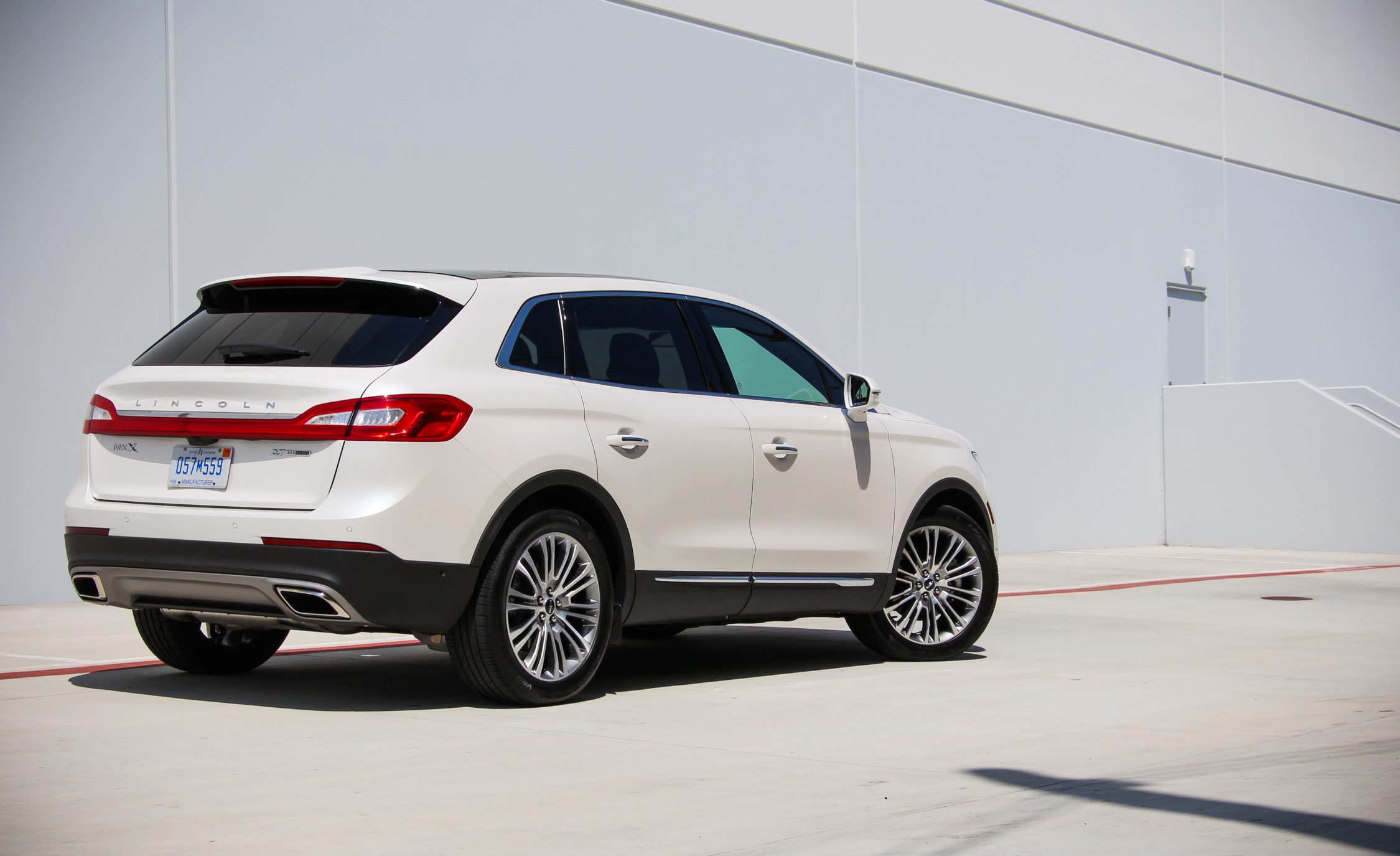 2016 Lincoln MKX (Photo 18 of 18)