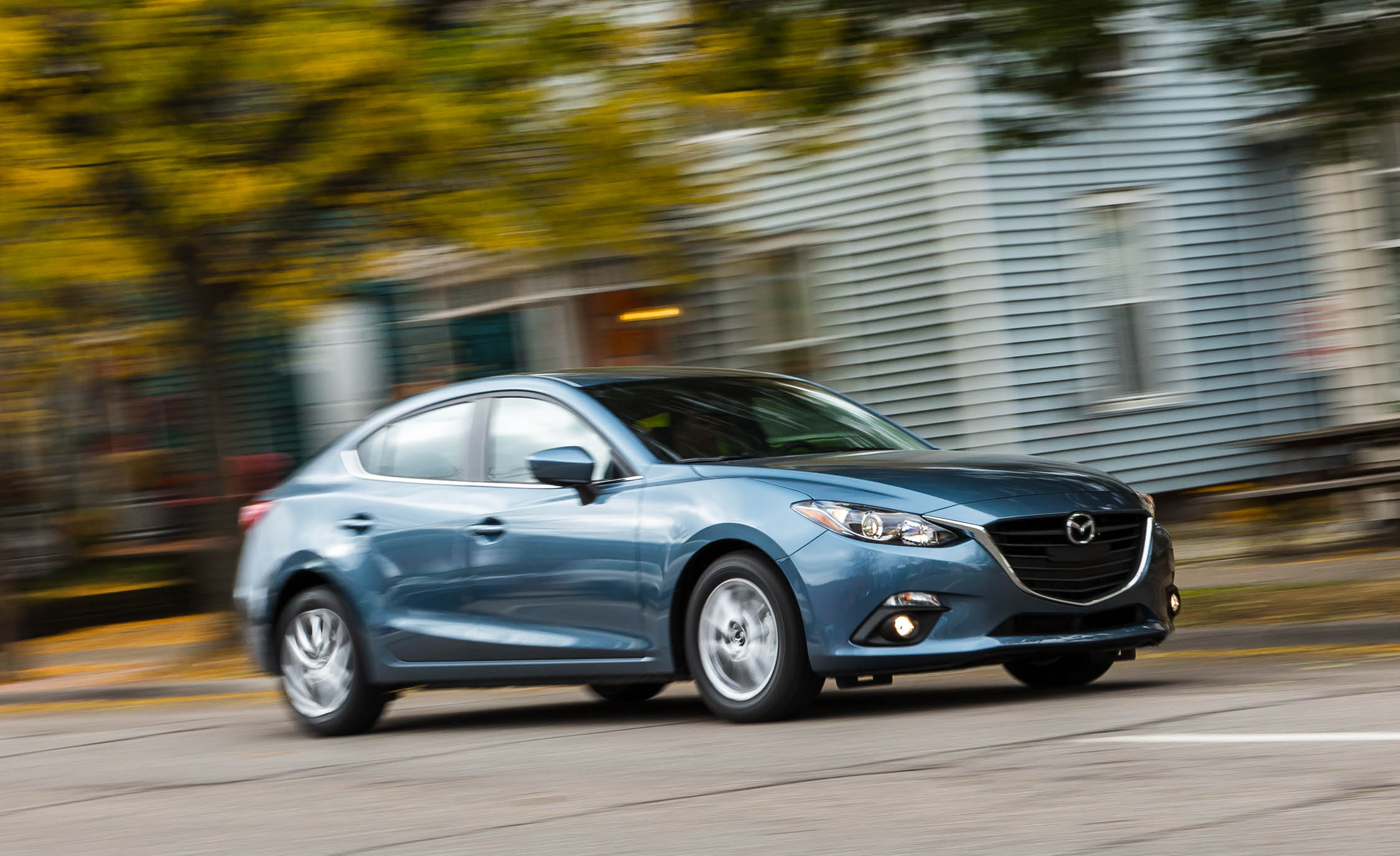 Featured Image of 2016 Mazda3 Sedan