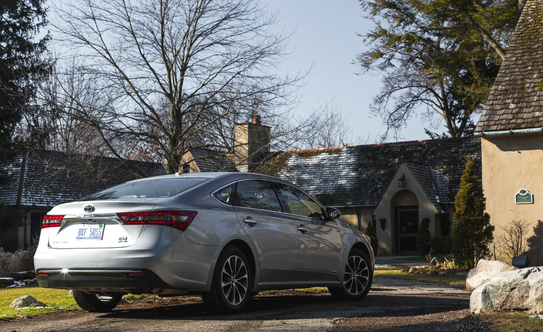 2016 Toyota Avalon Hybrid (View 5 of 24)