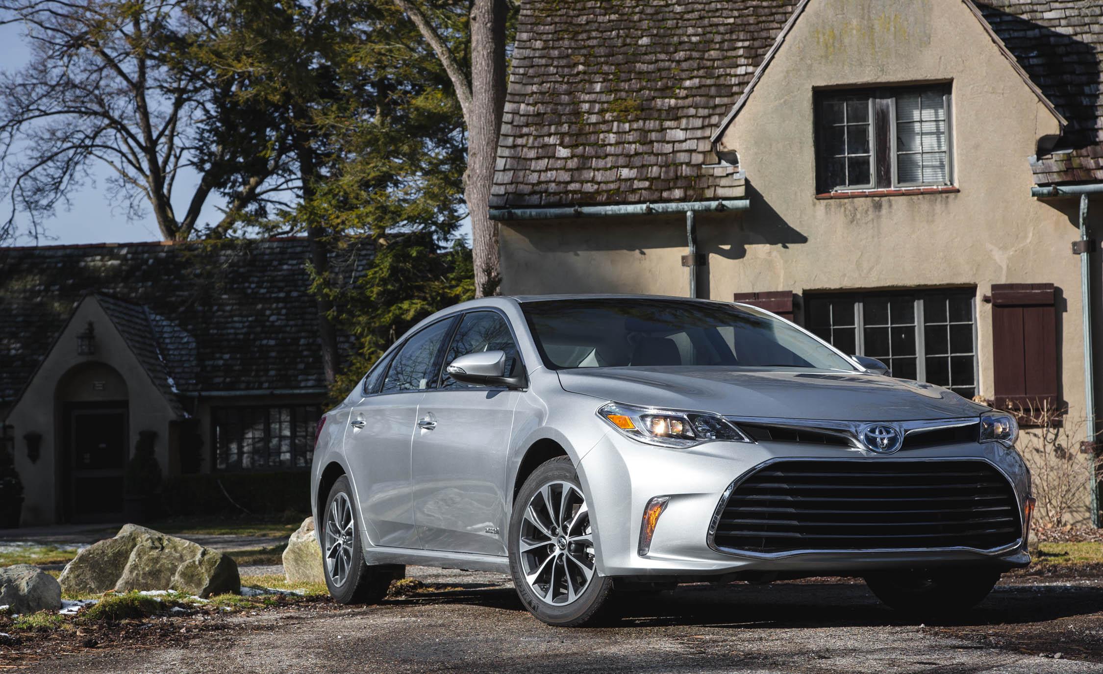 2016 Toyota Avalon Hybrid (View 6 of 24)