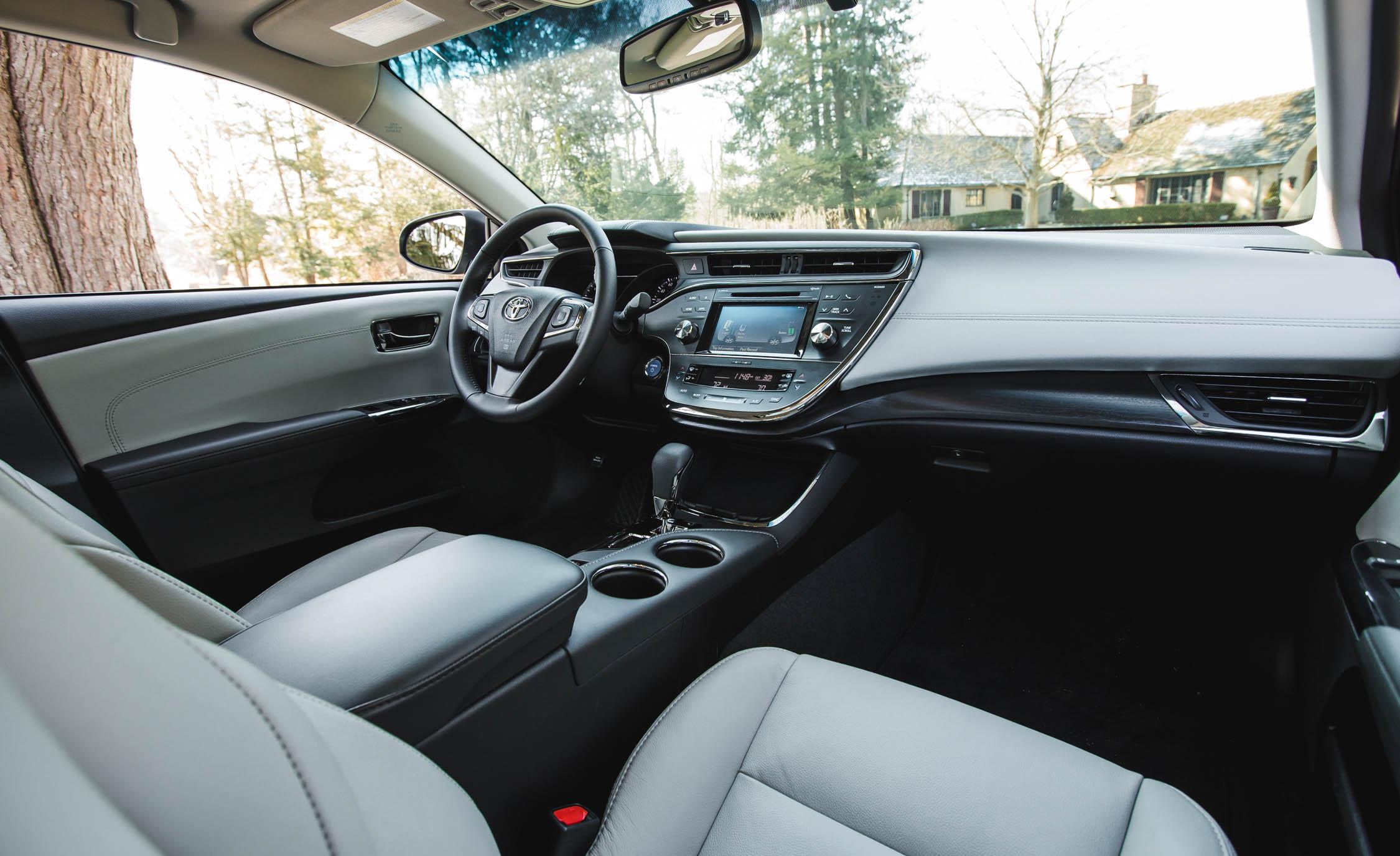 2016 Toyota Avalon Hybrid (View 8 of 24)