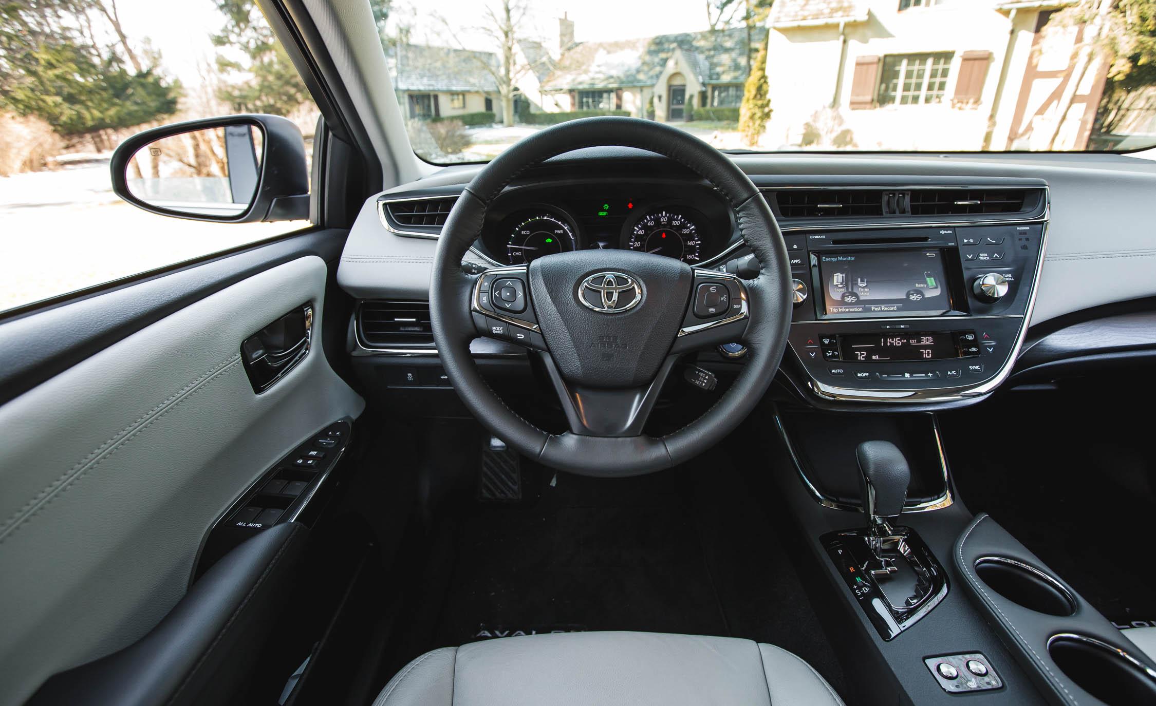 2016 Toyota Avalon Hybrid (View 14 of 24)