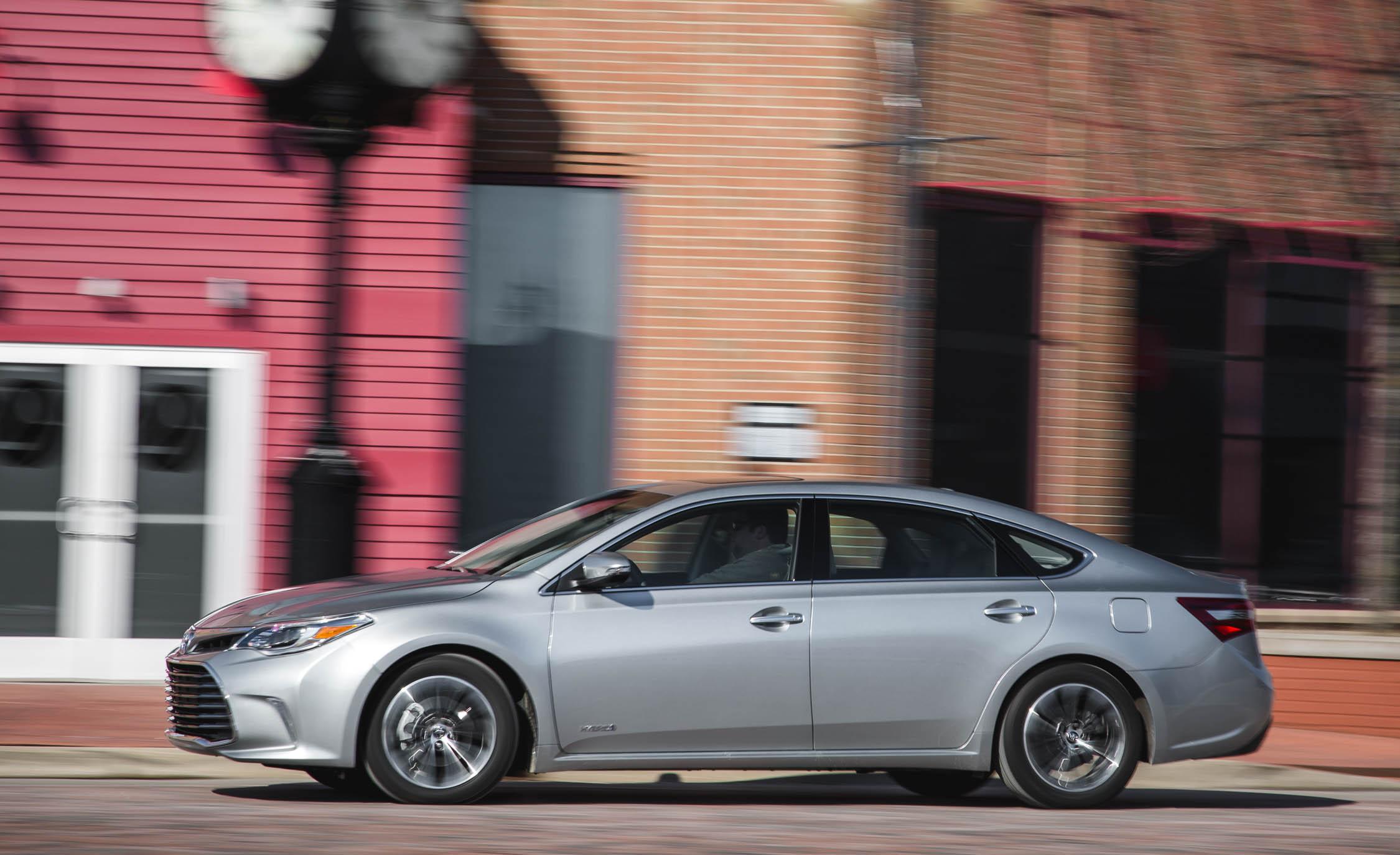 2016 Toyota Avalon Hybrid (View 21 of 24)