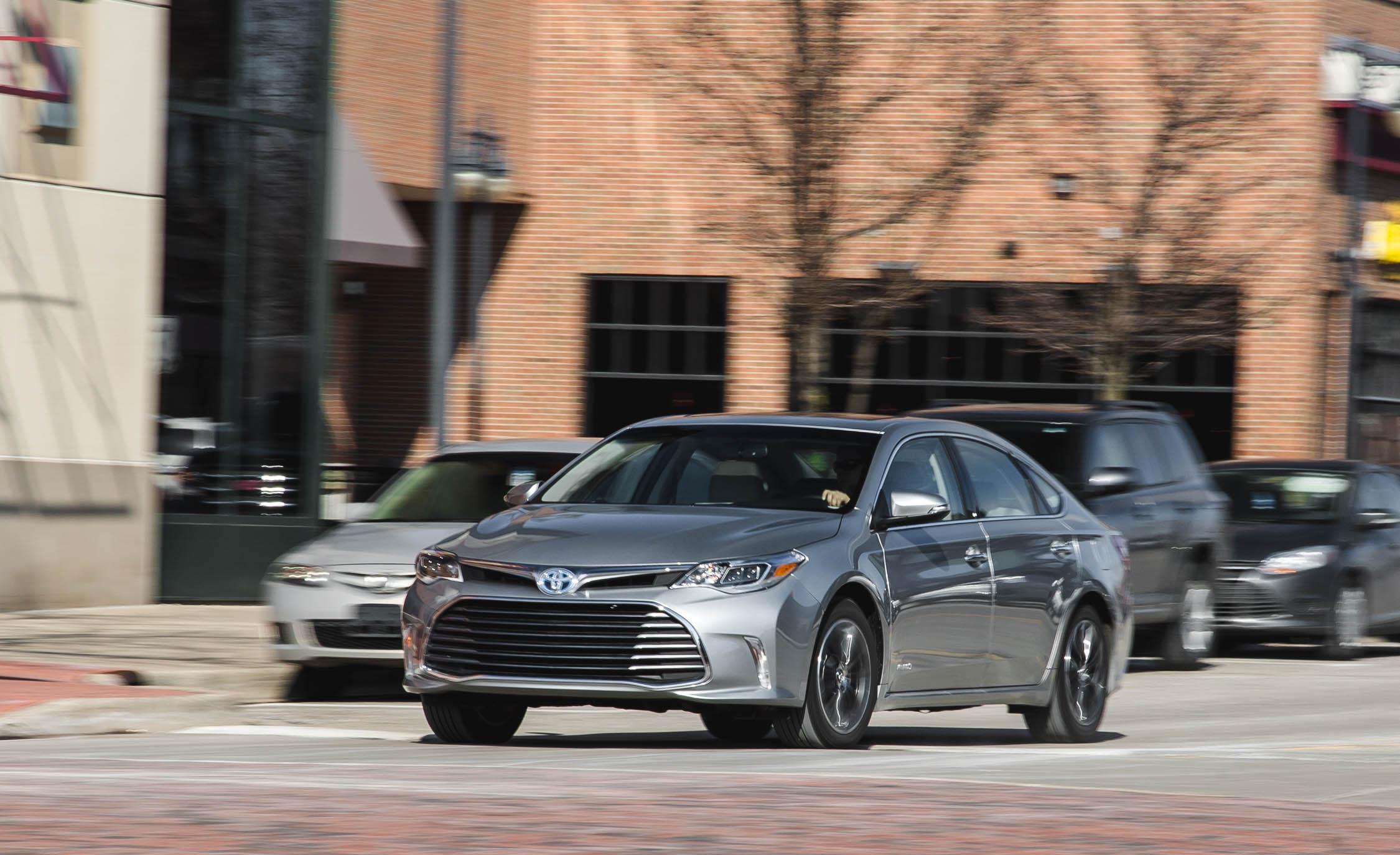 2016 Toyota Avalon Hybrid (View 22 of 24)