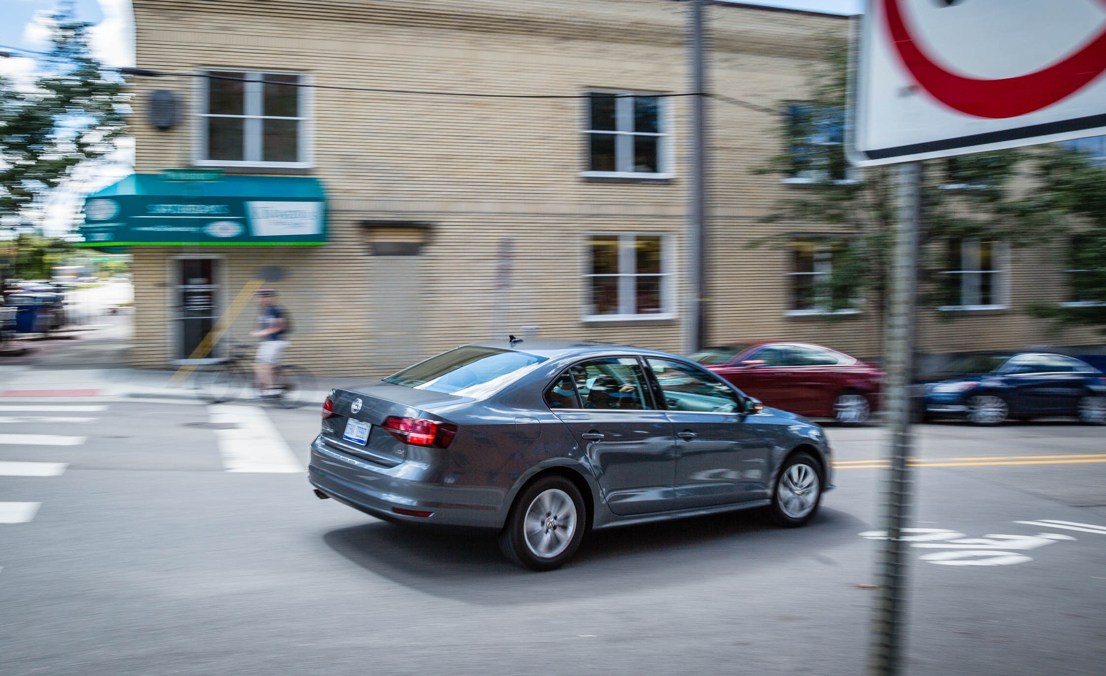 2016 Volkswagen Jetta (Photo 8 of 16)