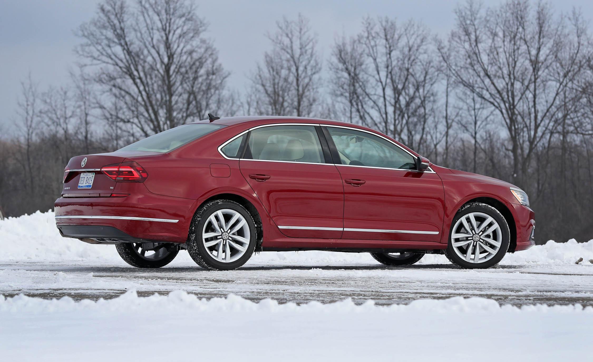 2017 Volkswagen Passat (Photo 13 of 24)