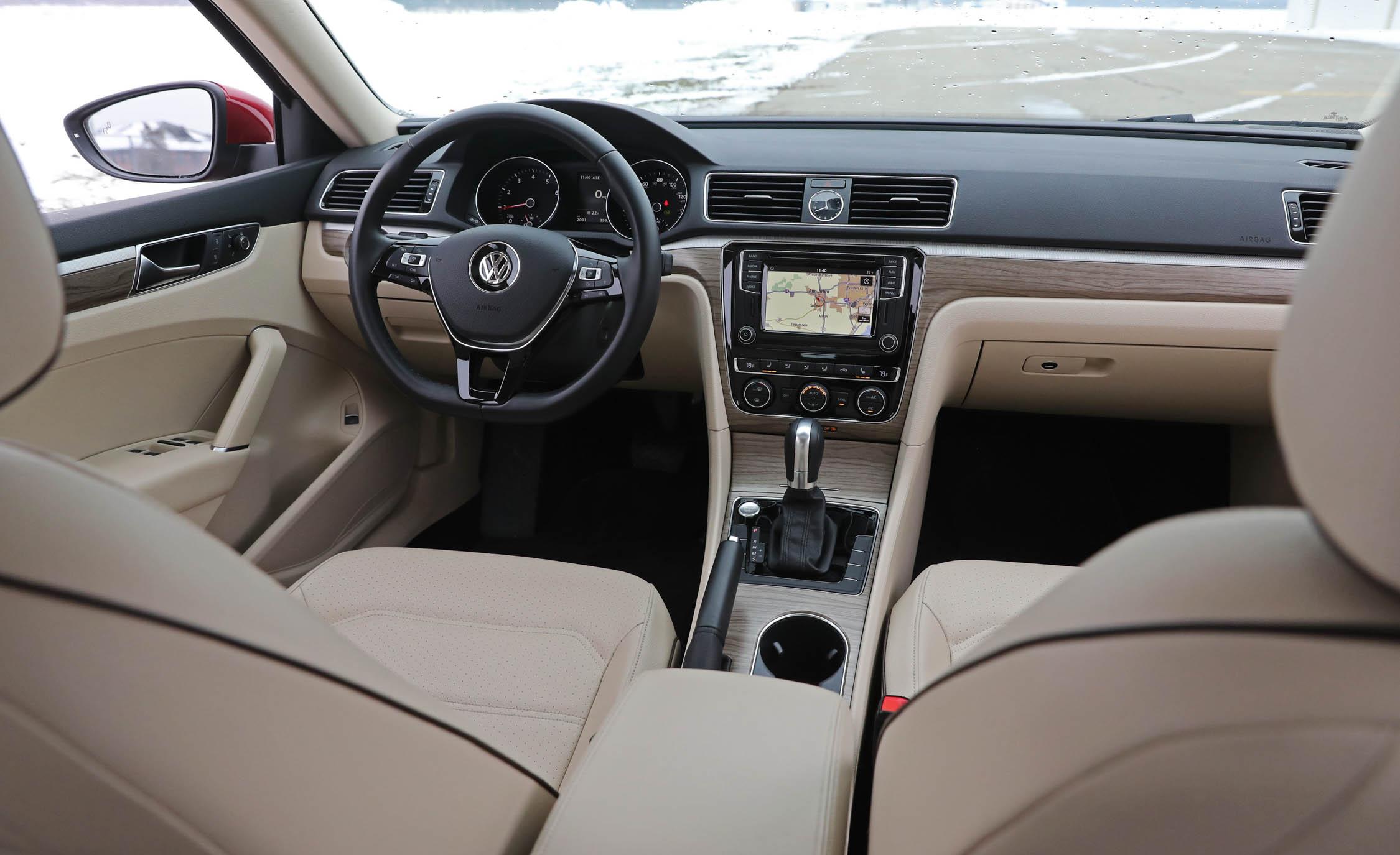 2017 Volkswagen Passat (Photo 20 of 24)