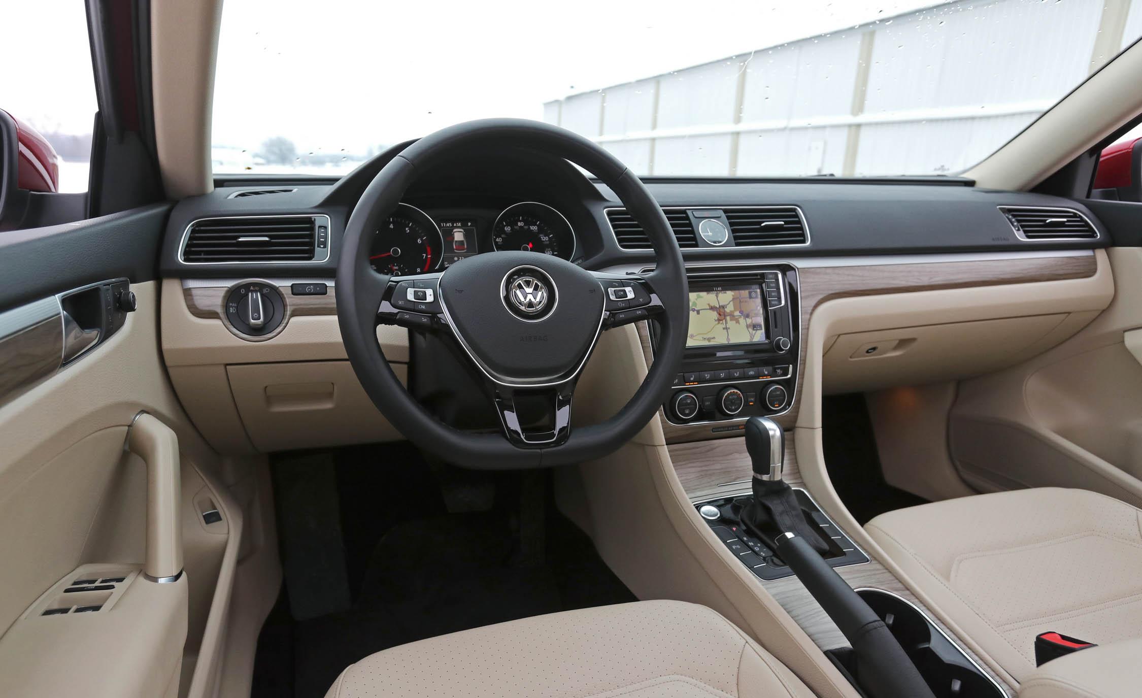 2017 Volkswagen Passat (Photo 21 of 24)