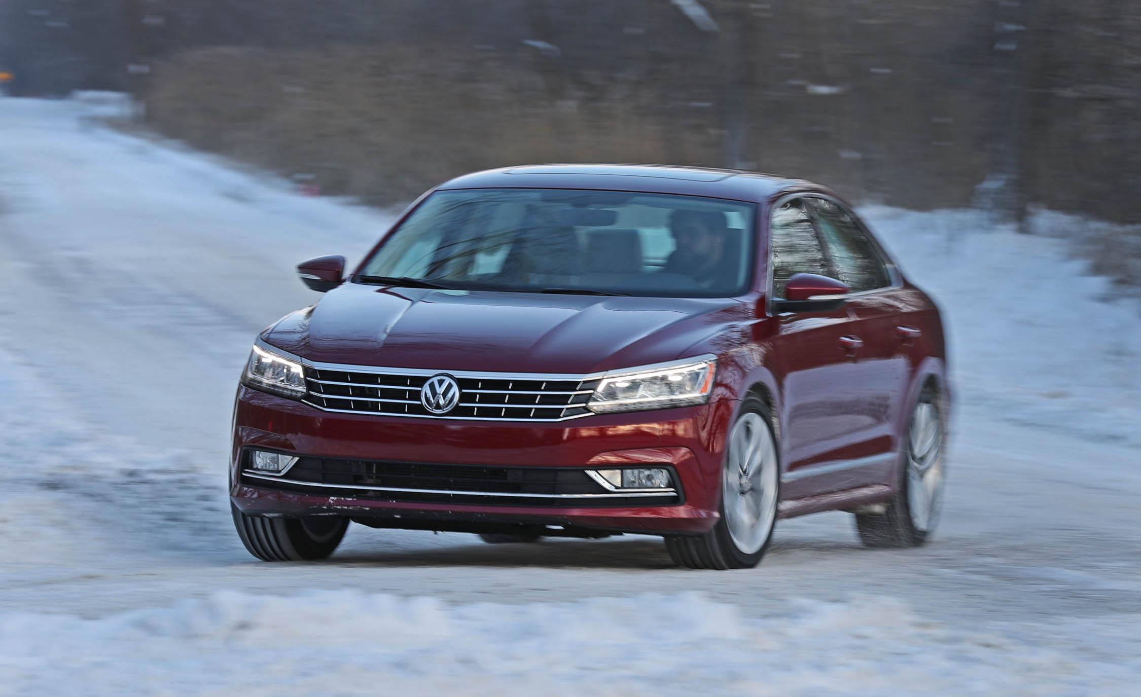 2017 Volkswagen Passat (Photo 7 of 24)