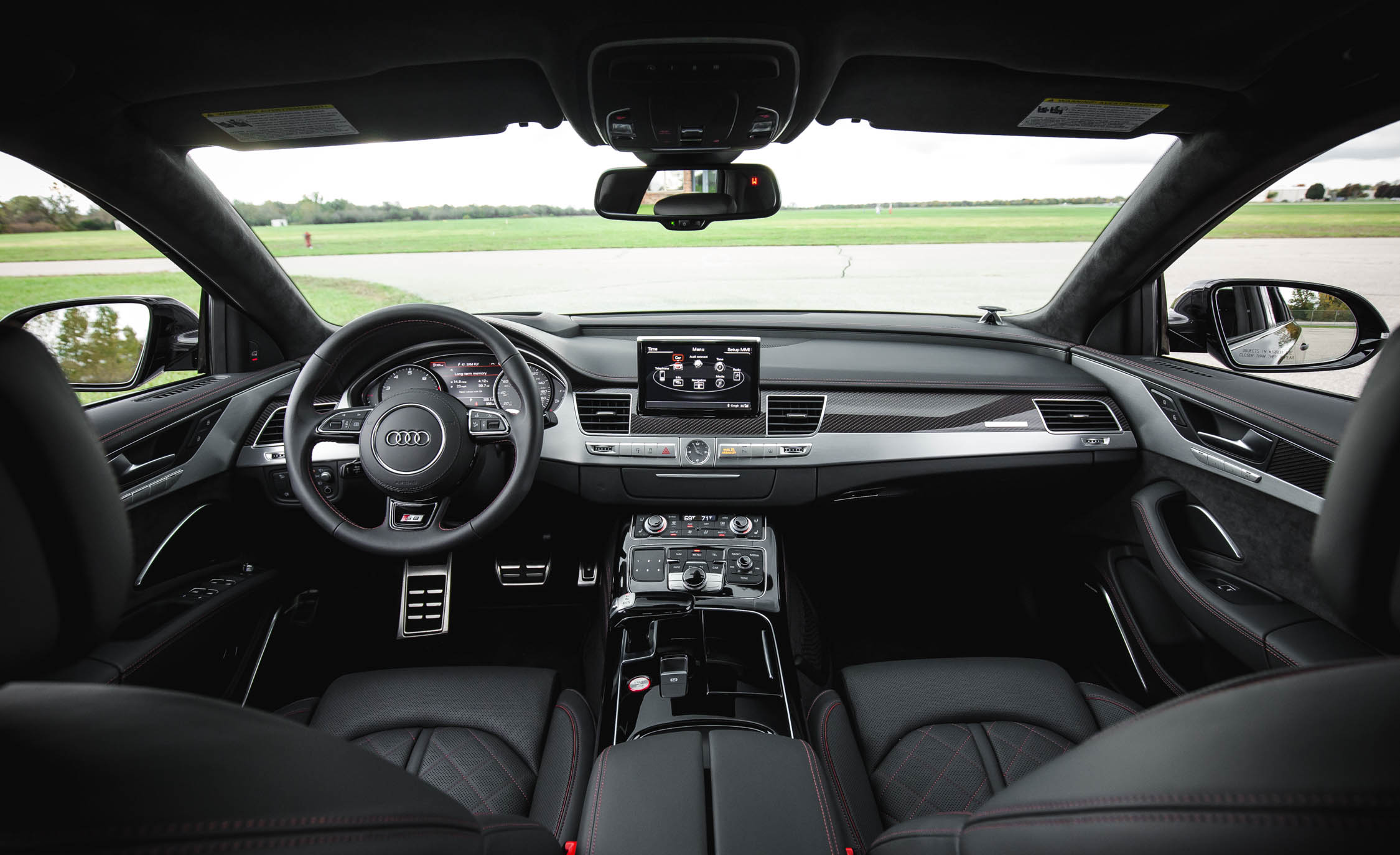2017 Audi S8 Plus Interior Dashboard (Photo 16 of 36)