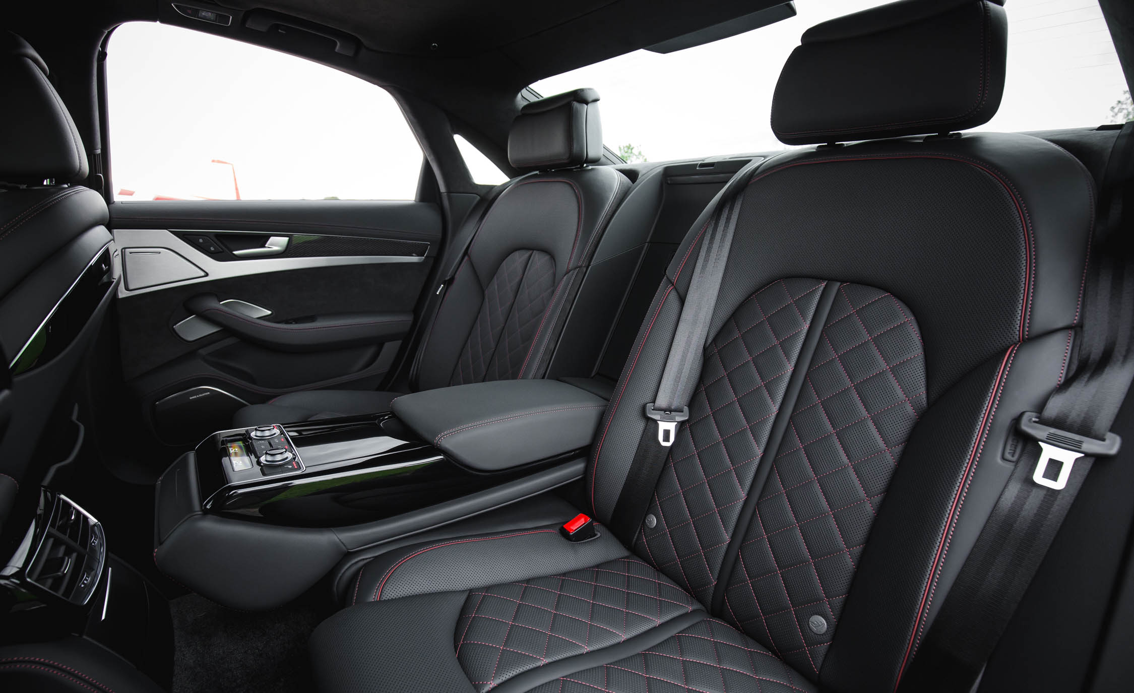 2017 Audi S8 Plus Interior Seats Rear (Photo 19 of 36)