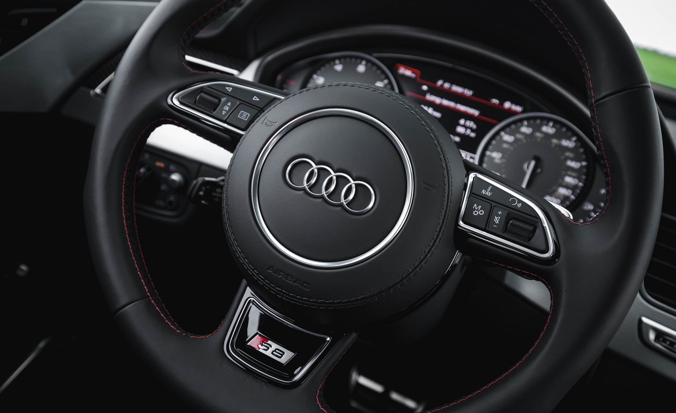 2017 Audi S8 Plus Interior Steering Wheel Details (Photo 22 of 36)