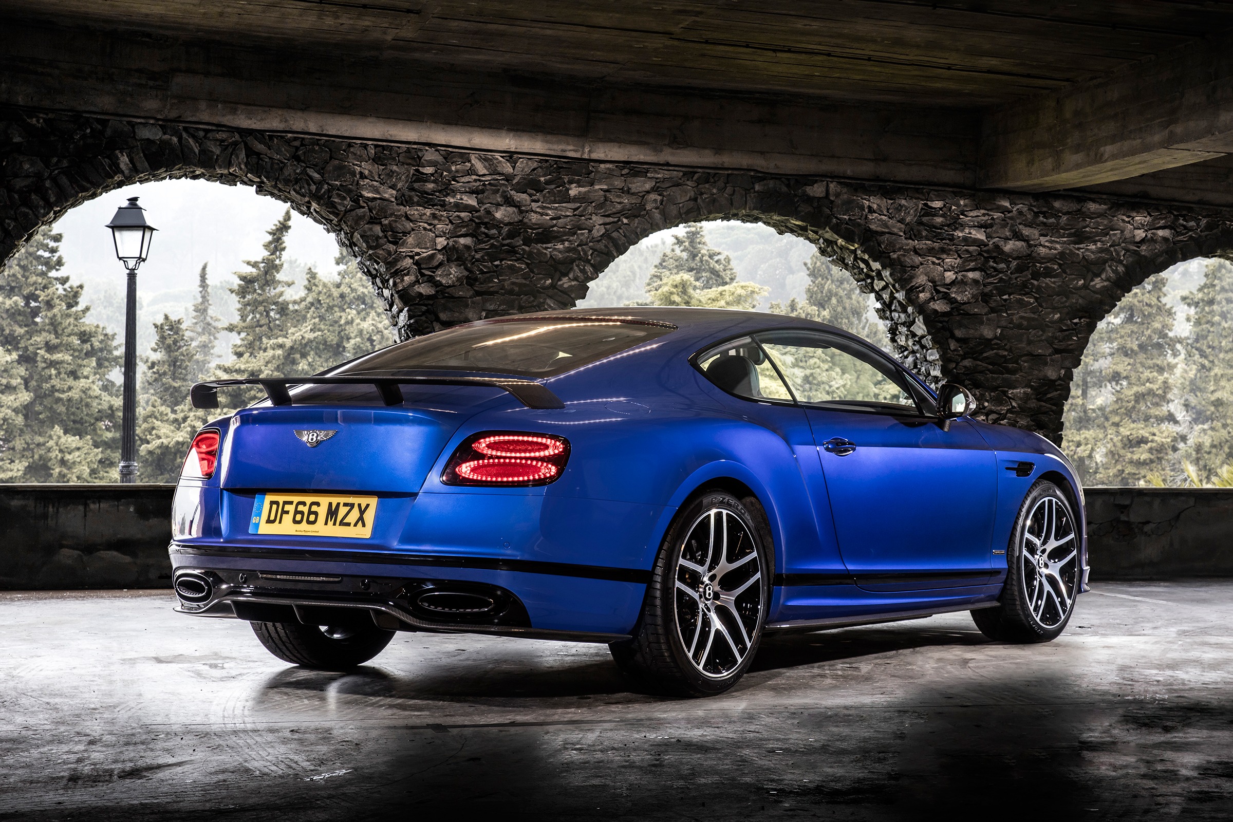 2017 Bentley Continental Supersports Blue Exterior Rear And Side (Photo 15 of 31)