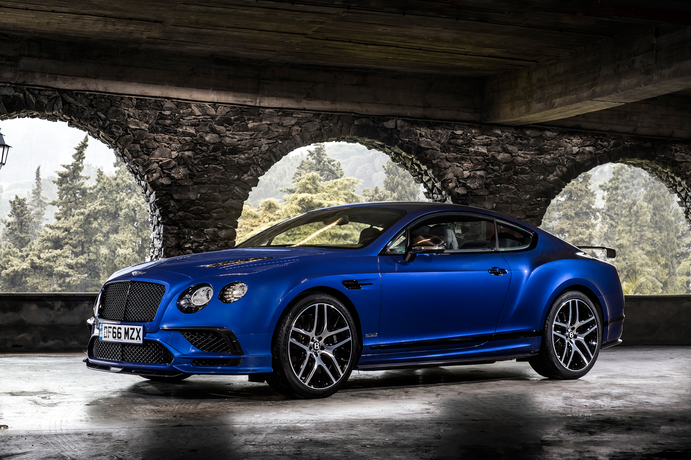 2017 Bentley Continental Supersports Blue Exterior (Photo 14 of 31)