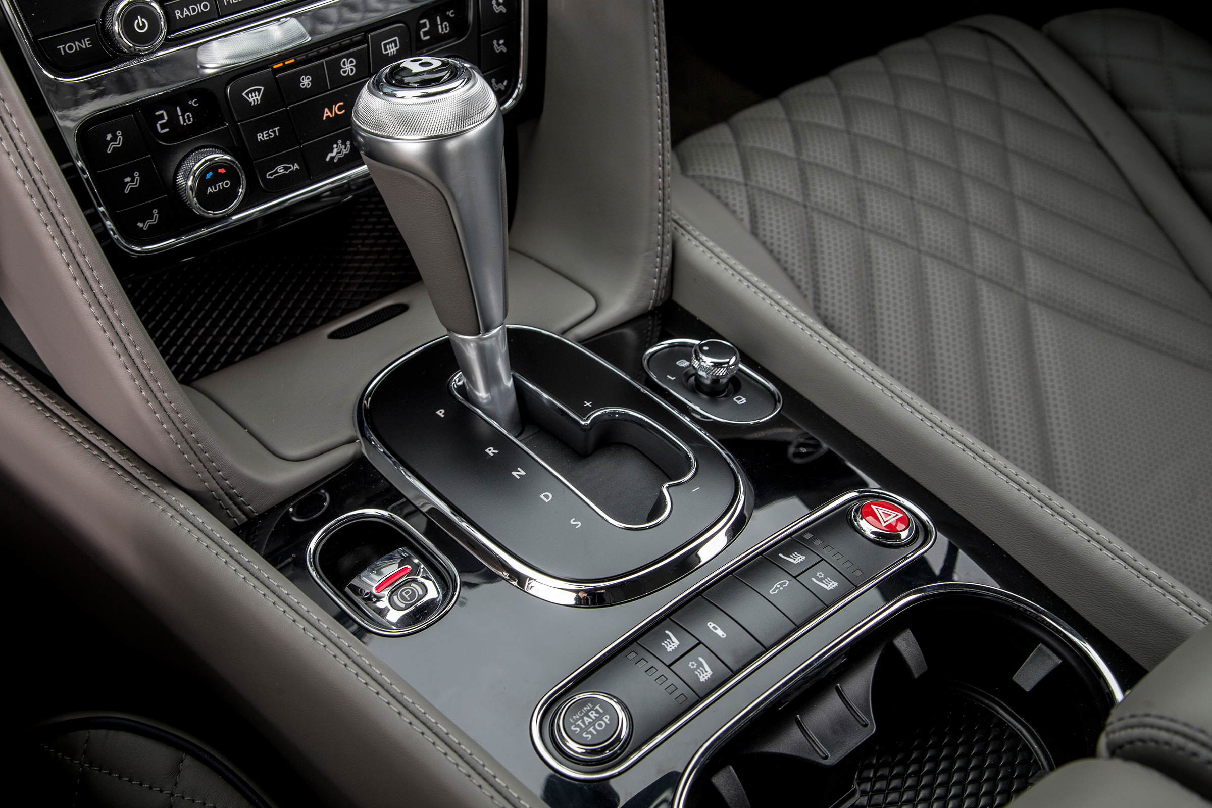 2017 Bentley Continental Supersports Interior View Gear Shift Knob (Photo 29 of 31)