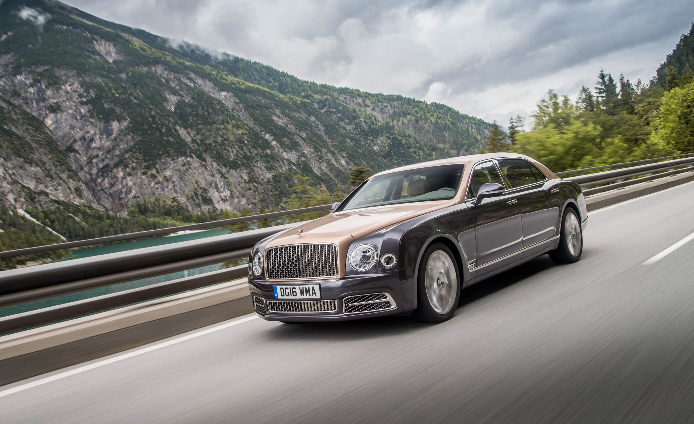 2017 Bentley Mulsanne EWB (View 26 of 37)