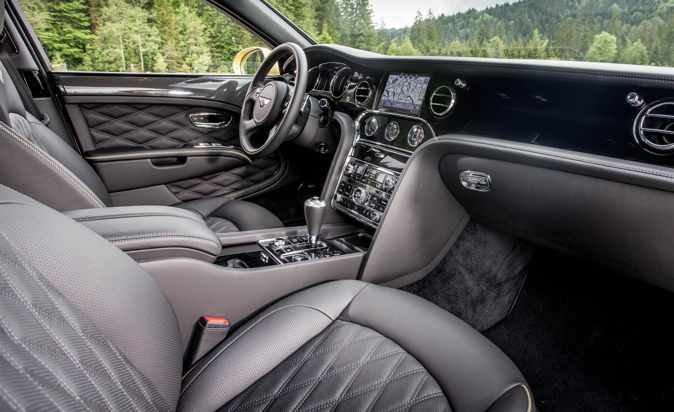 2017 Bentley Mulsanne Speed (Photo 28 of 37)