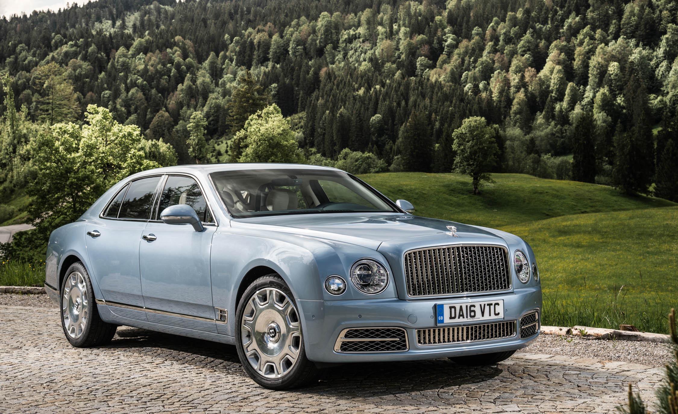 2017 Bentley Mulsanne (View 7 of 37)
