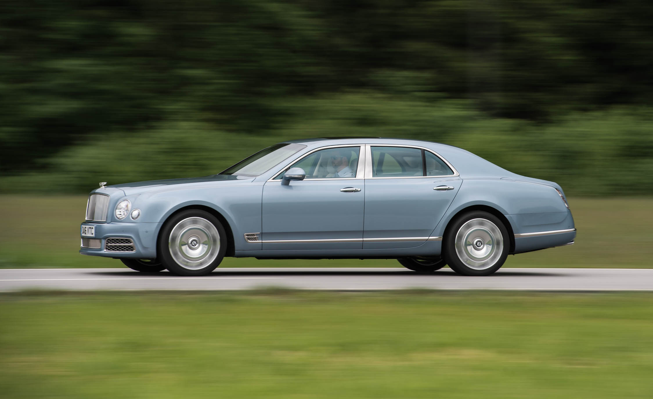 2017 Bentley Mulsanne (View 5 of 37)