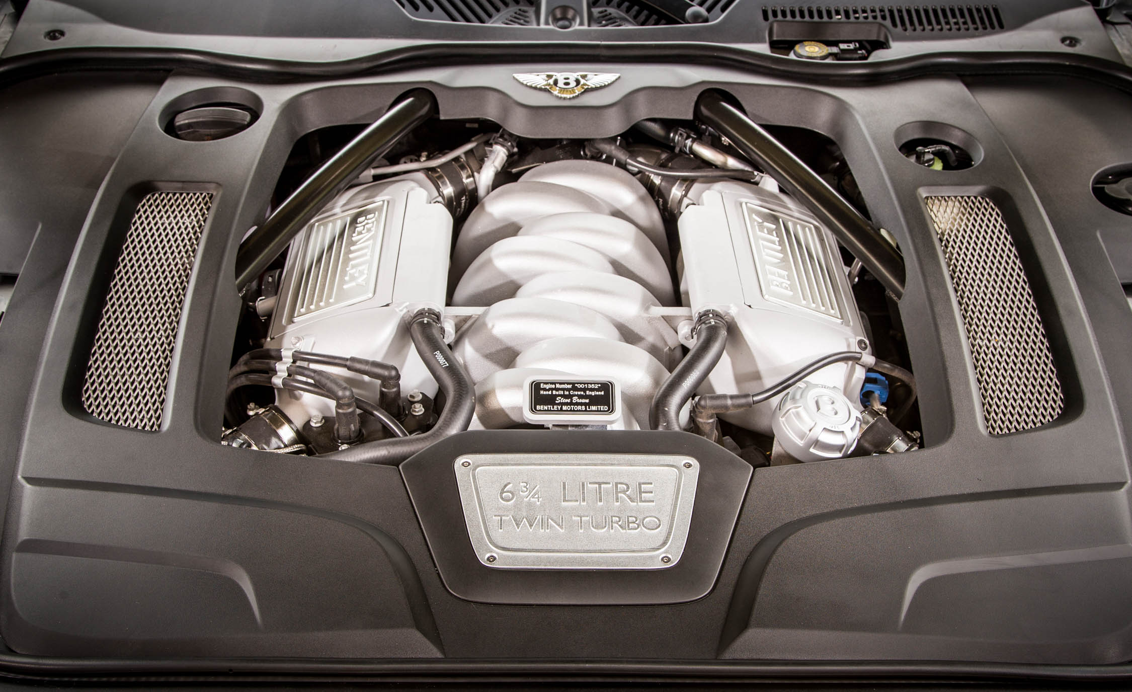 2017 Bentley Mulsanne Twin Turbocharged 6.75 Liter V 8 Engine (Photo 37 of 37)