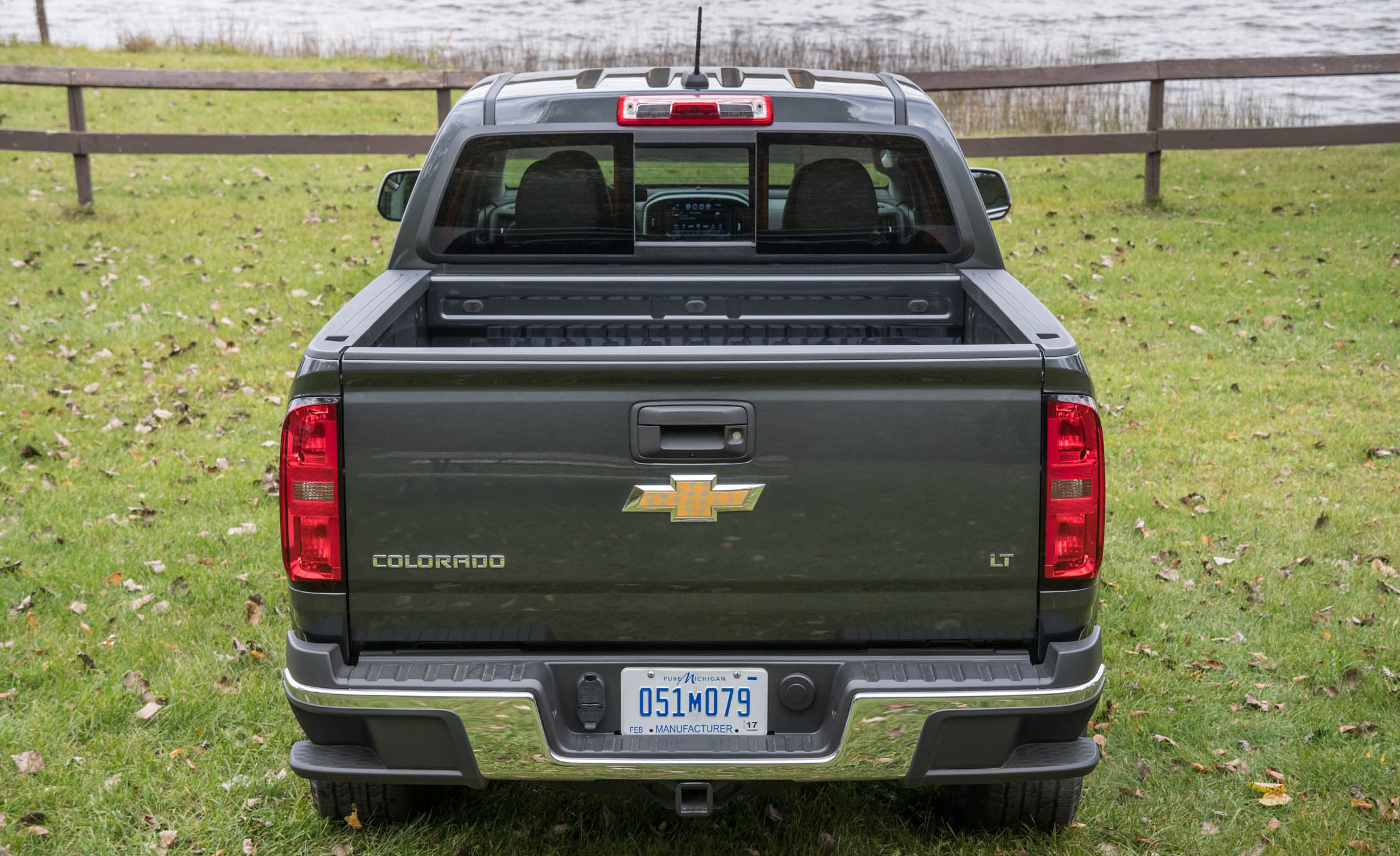 2017 Chevrolet Colorado LT Exterior Rear End (View 23 of 41)
