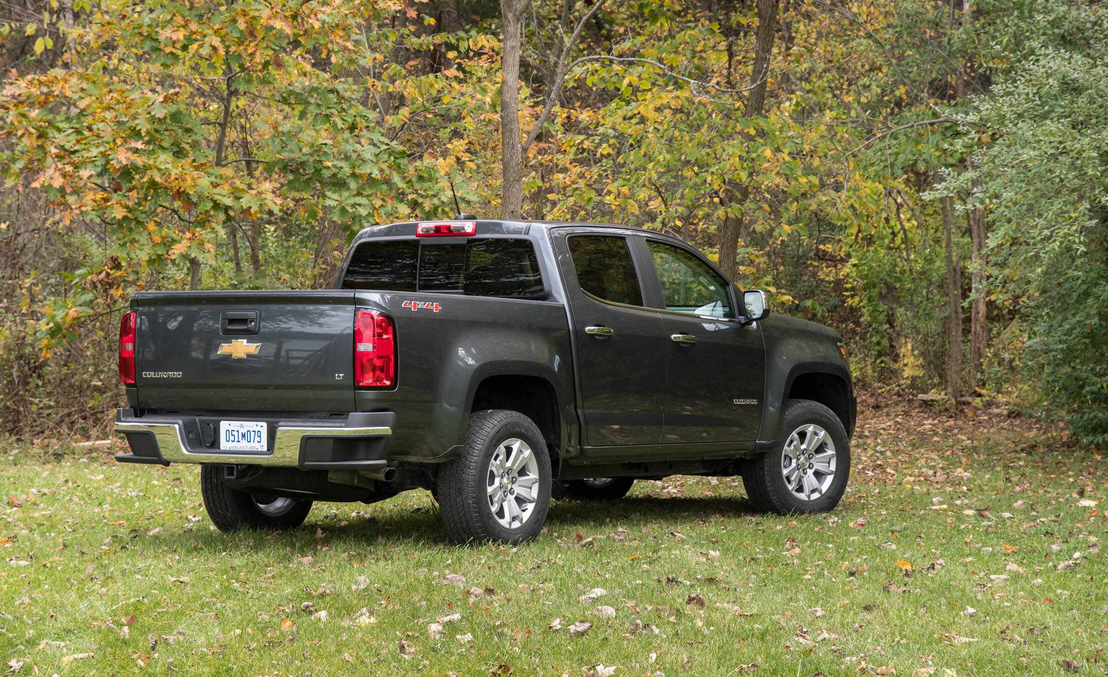 2017 Chevrolet Colorado LT Exterior Side And Rear (View 25 of 41)