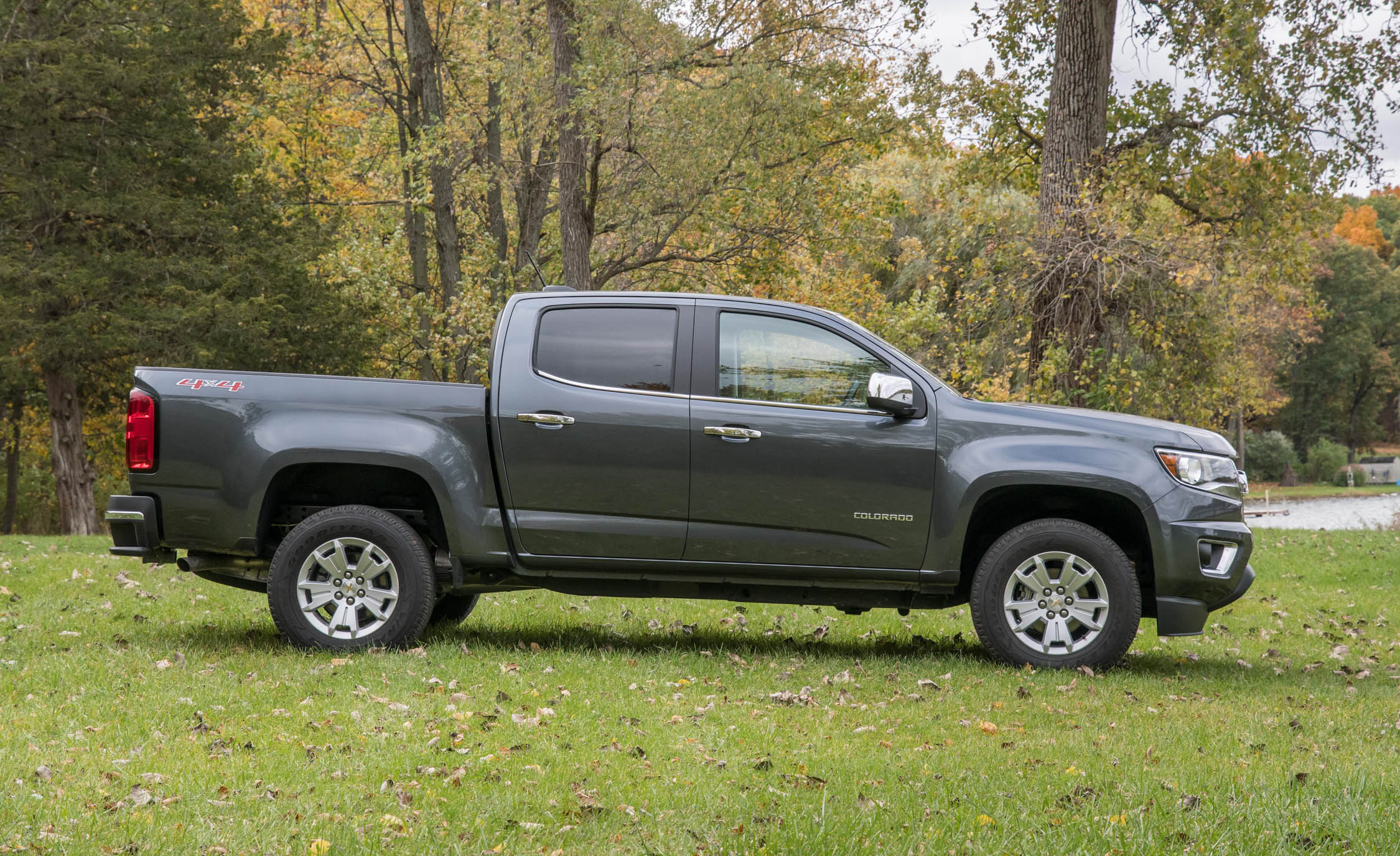 2017 Chevrolet Colorado LT Exterior Side (View 20 of 41)