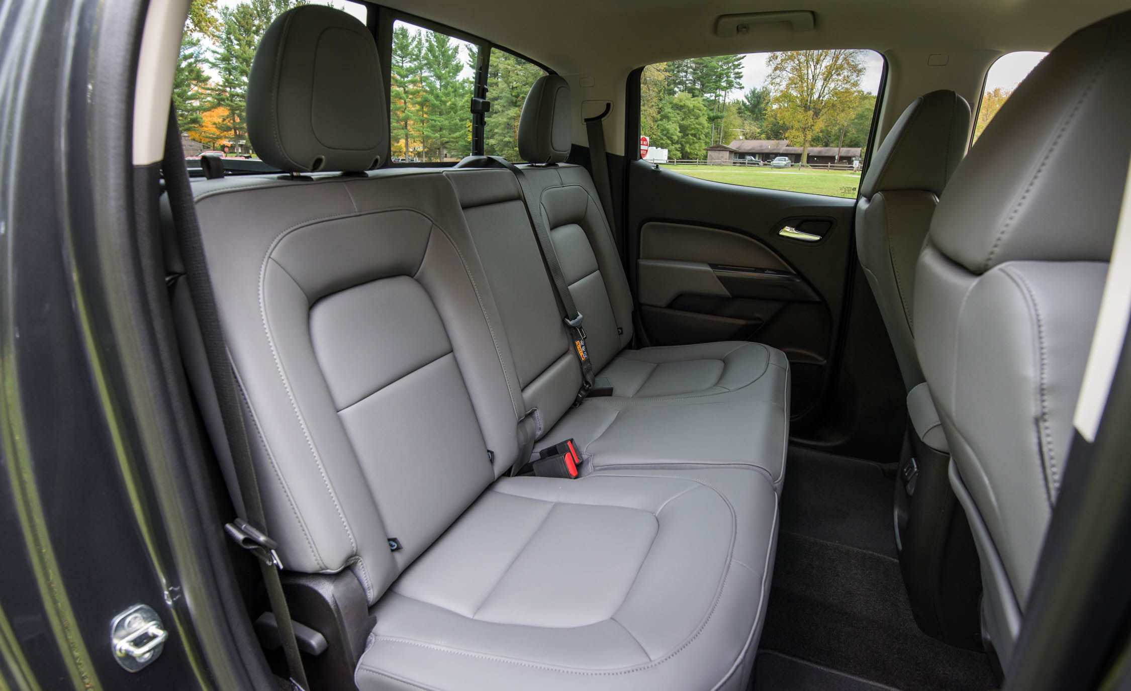 2017 Chevrolet Colorado LT Interior Seats Rear (Photo 32 of 41)