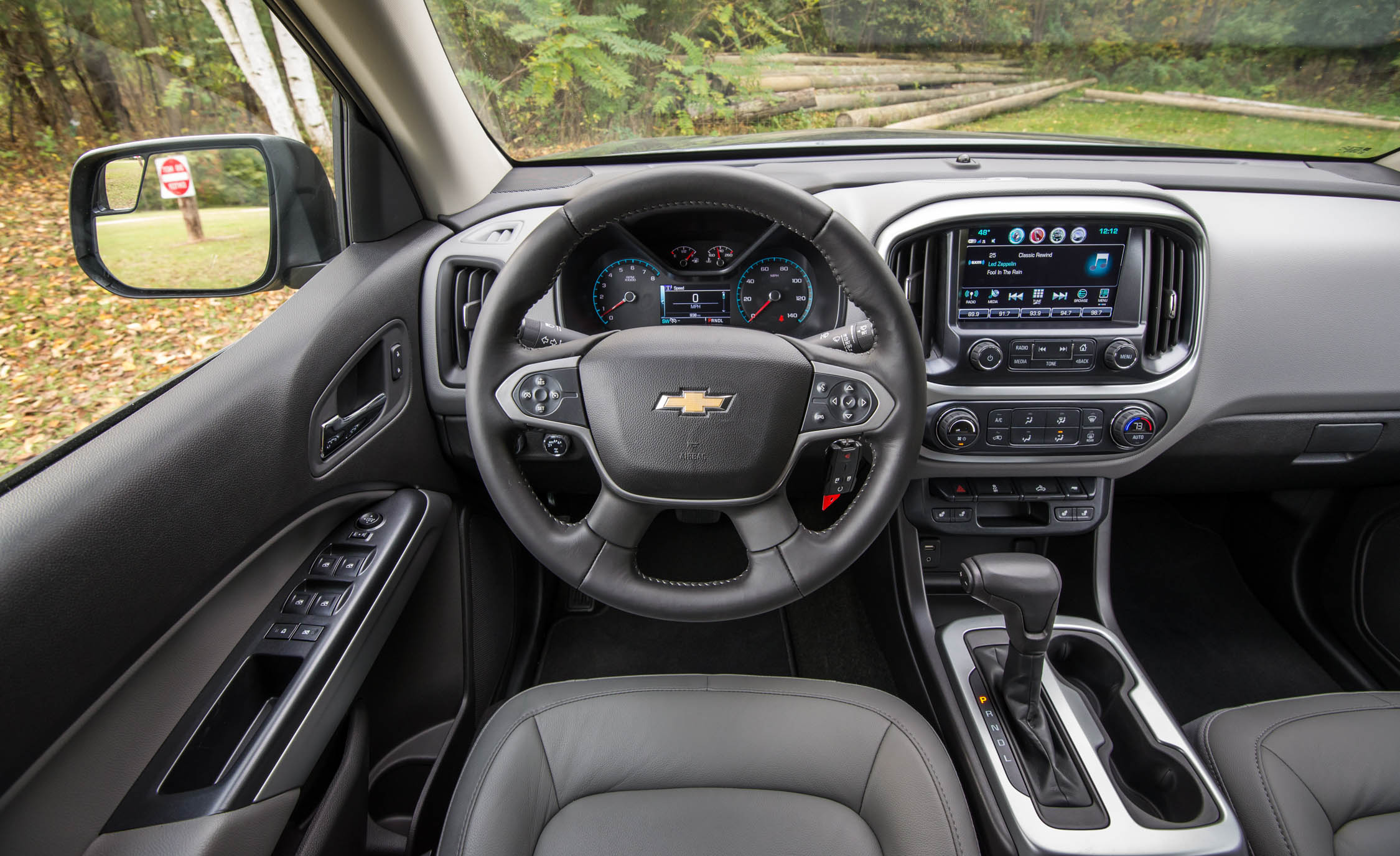 2017 Chevrolet Colorado LT Interior Steering And Dash (View 9 of 41)