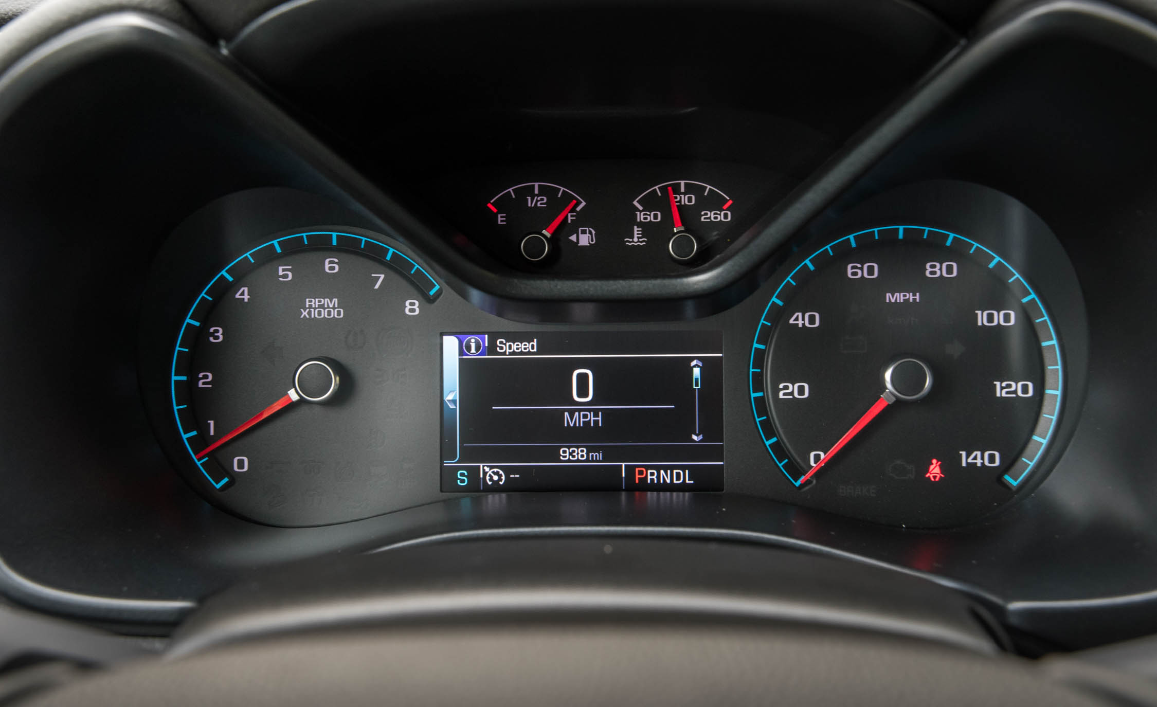 2017 Chevrolet Colorado LT Interior View Speedometer Instrument Cluster (Photo 39 of 41)