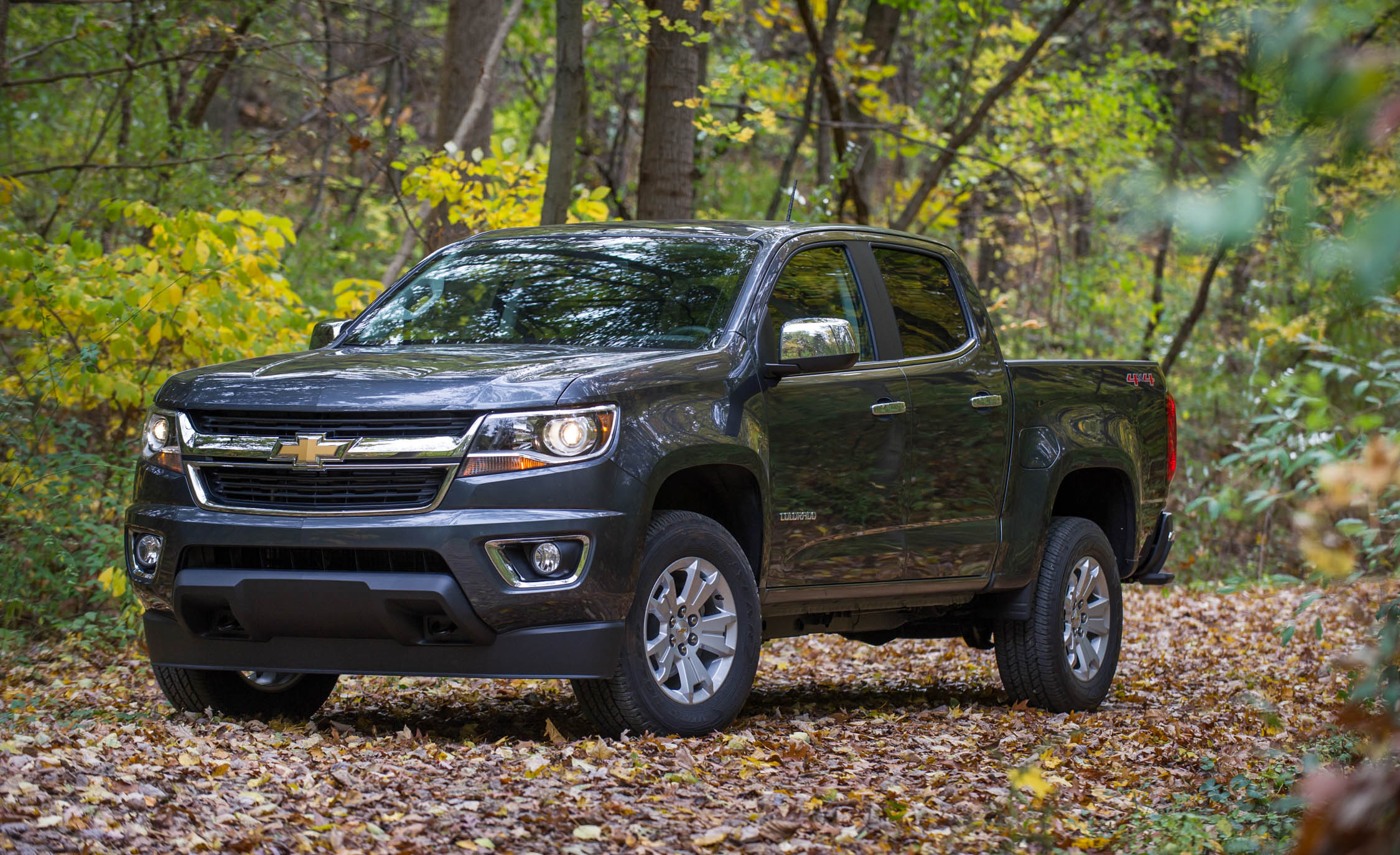 2017 Chevrolet Colorado Exterior Front And Side (Photo 3 of 41)