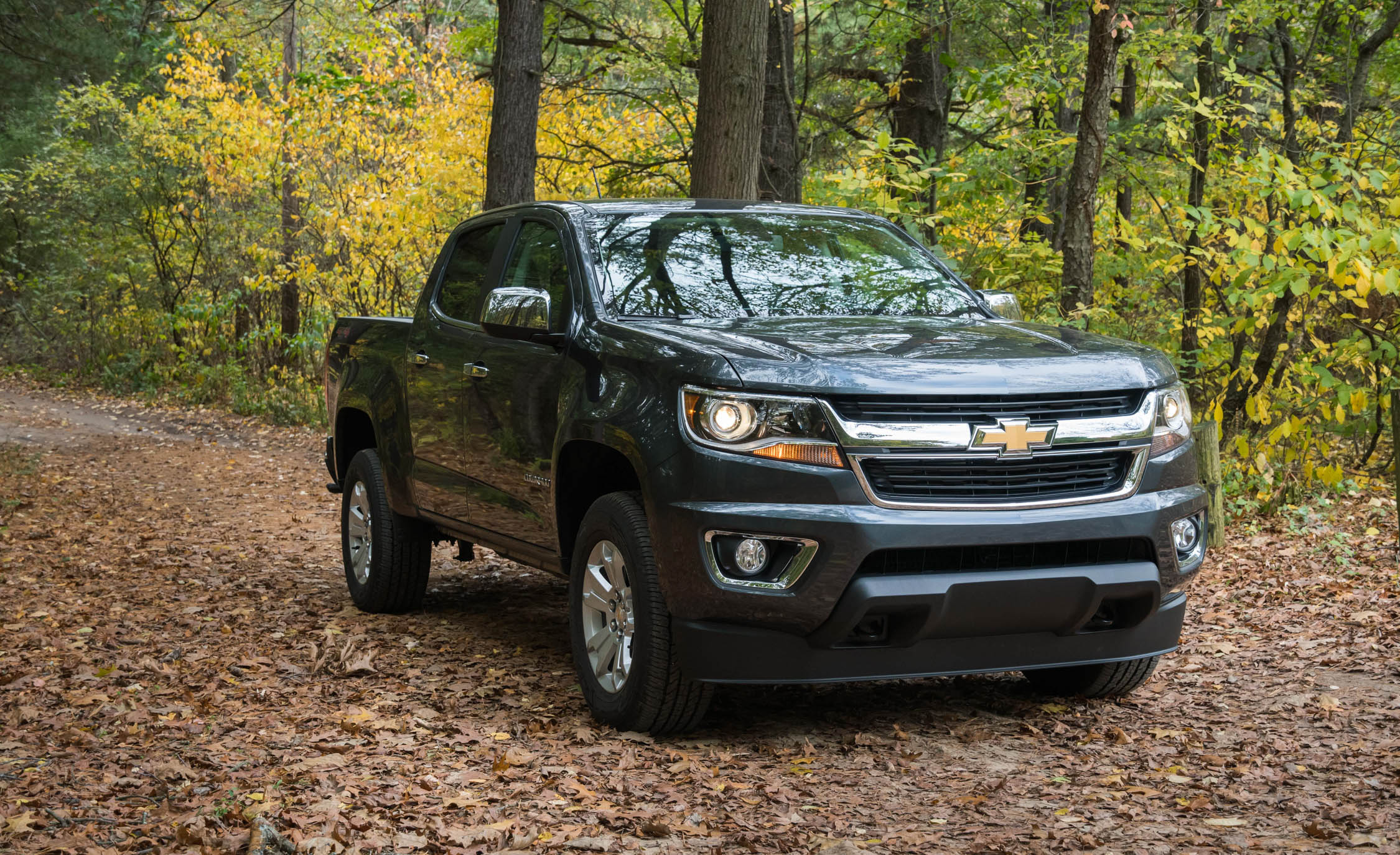 2017 Chevrolet Colorado (View 3 of 41)