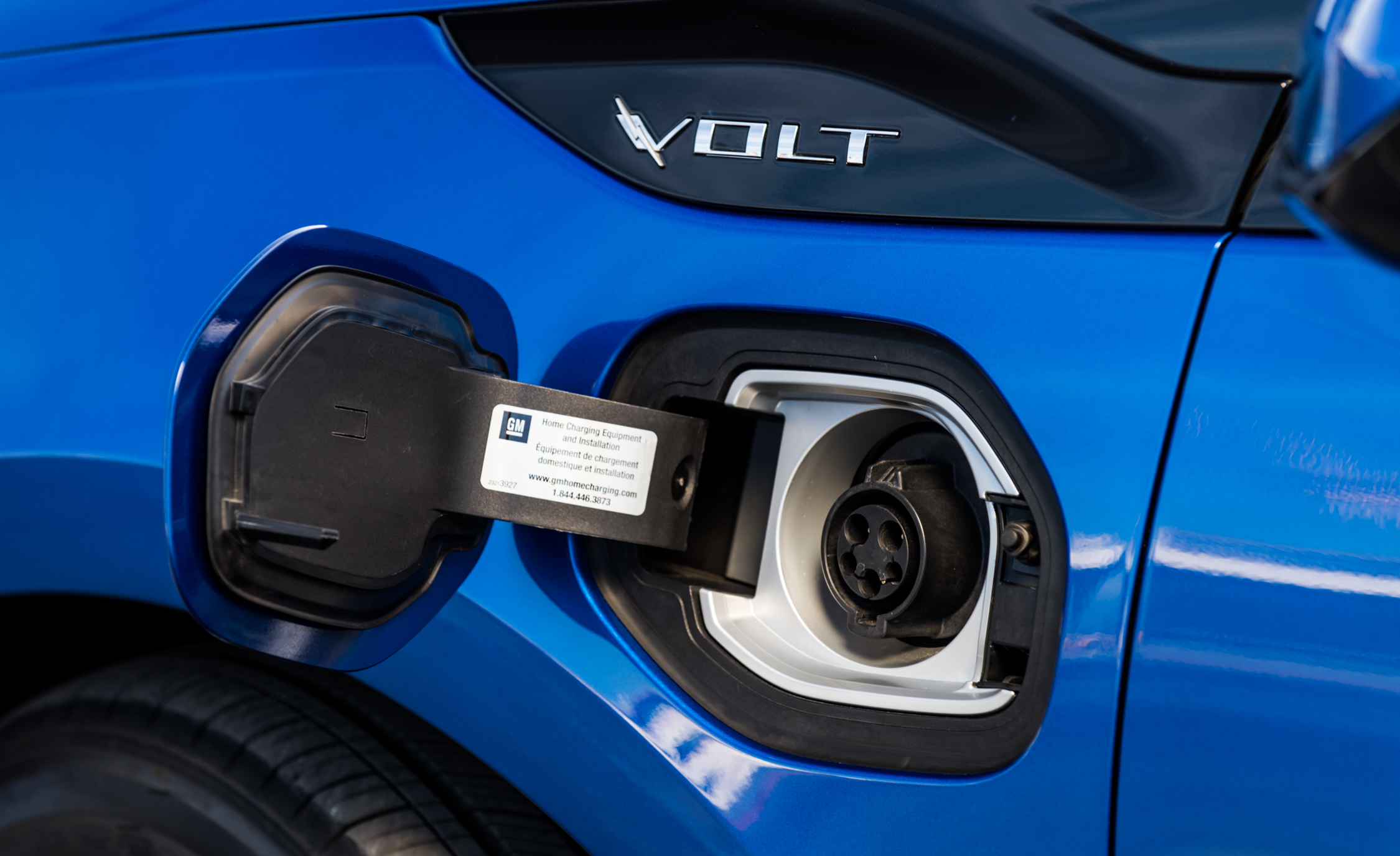 2017 Chevrolet Volt Exterior View Charge Port (Photo 4 of 16)