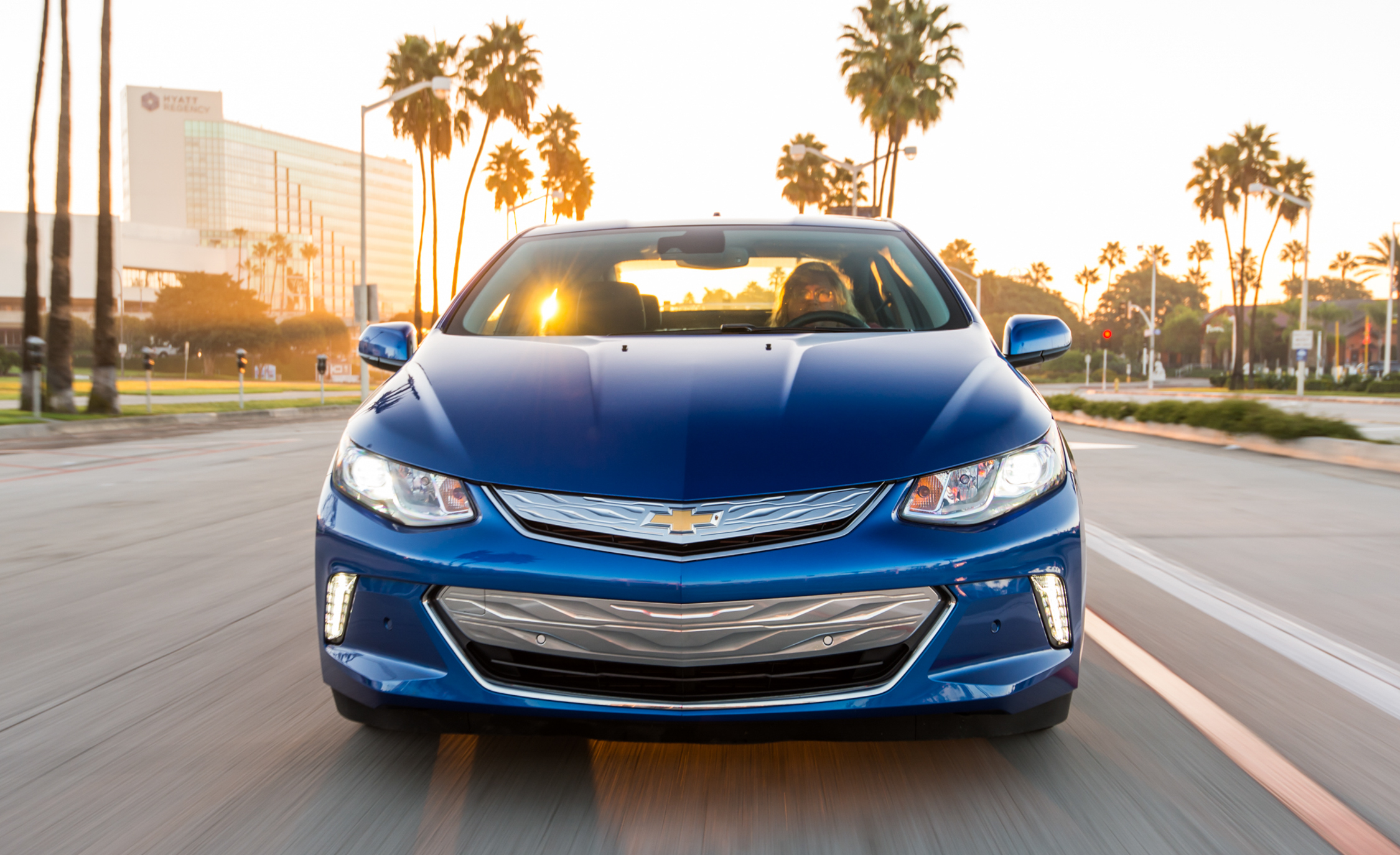 2017 Chevrolet Volt Test Drive Front View (View 1 of 16)