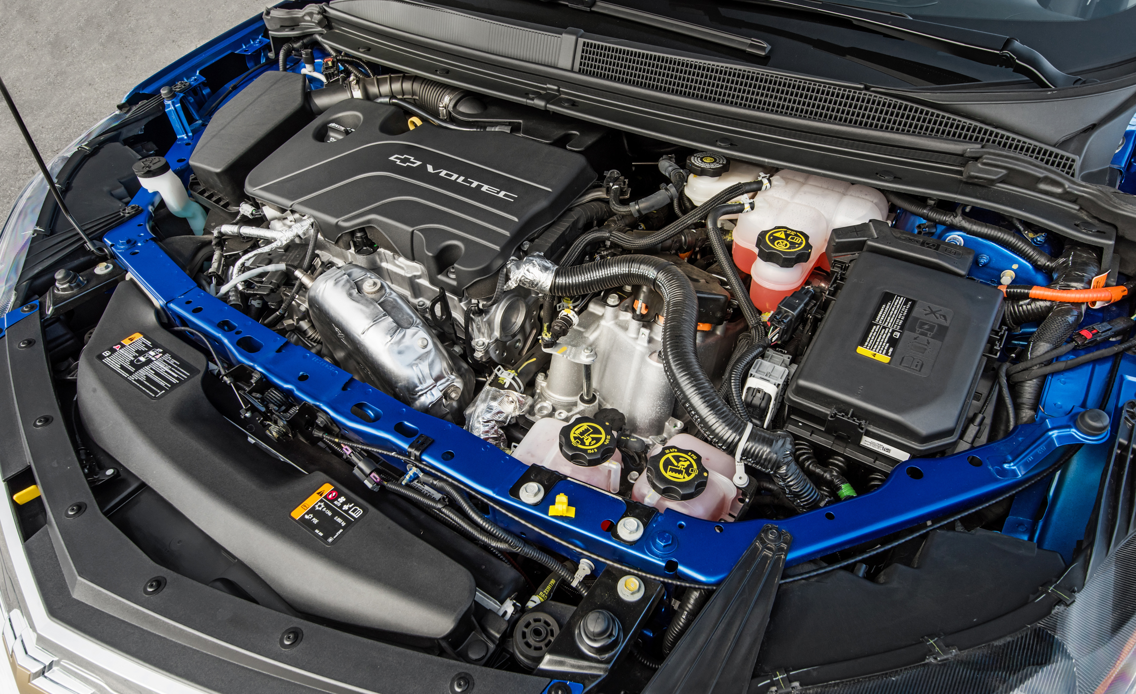 2017 Chevrolet Volt View Engine (Photo 16 of 16)