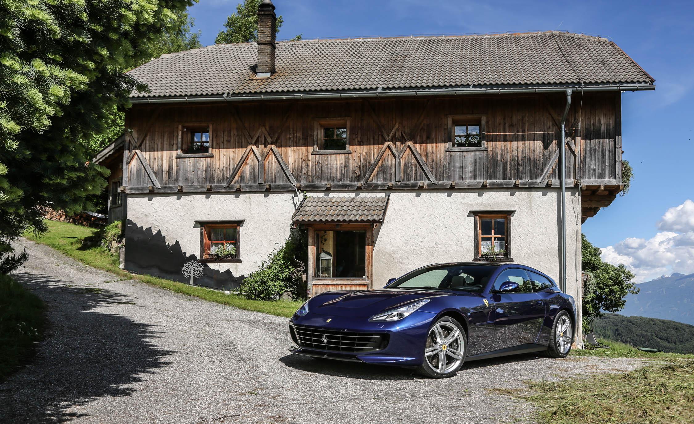 2017 Ferrari GTC4Lusso (Photo 39 of 52)