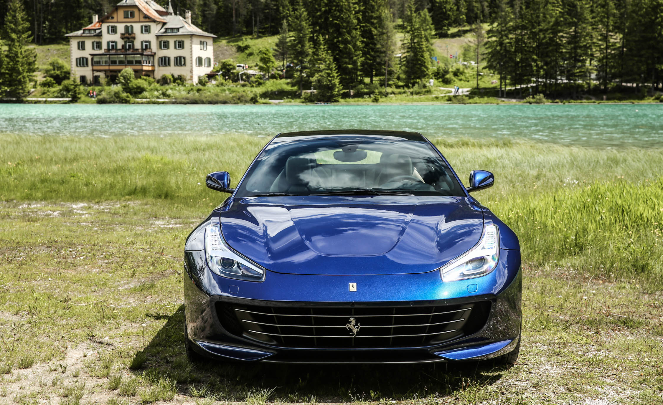 2017 Ferrari GTC4Lusso (Photo 39 of 52)