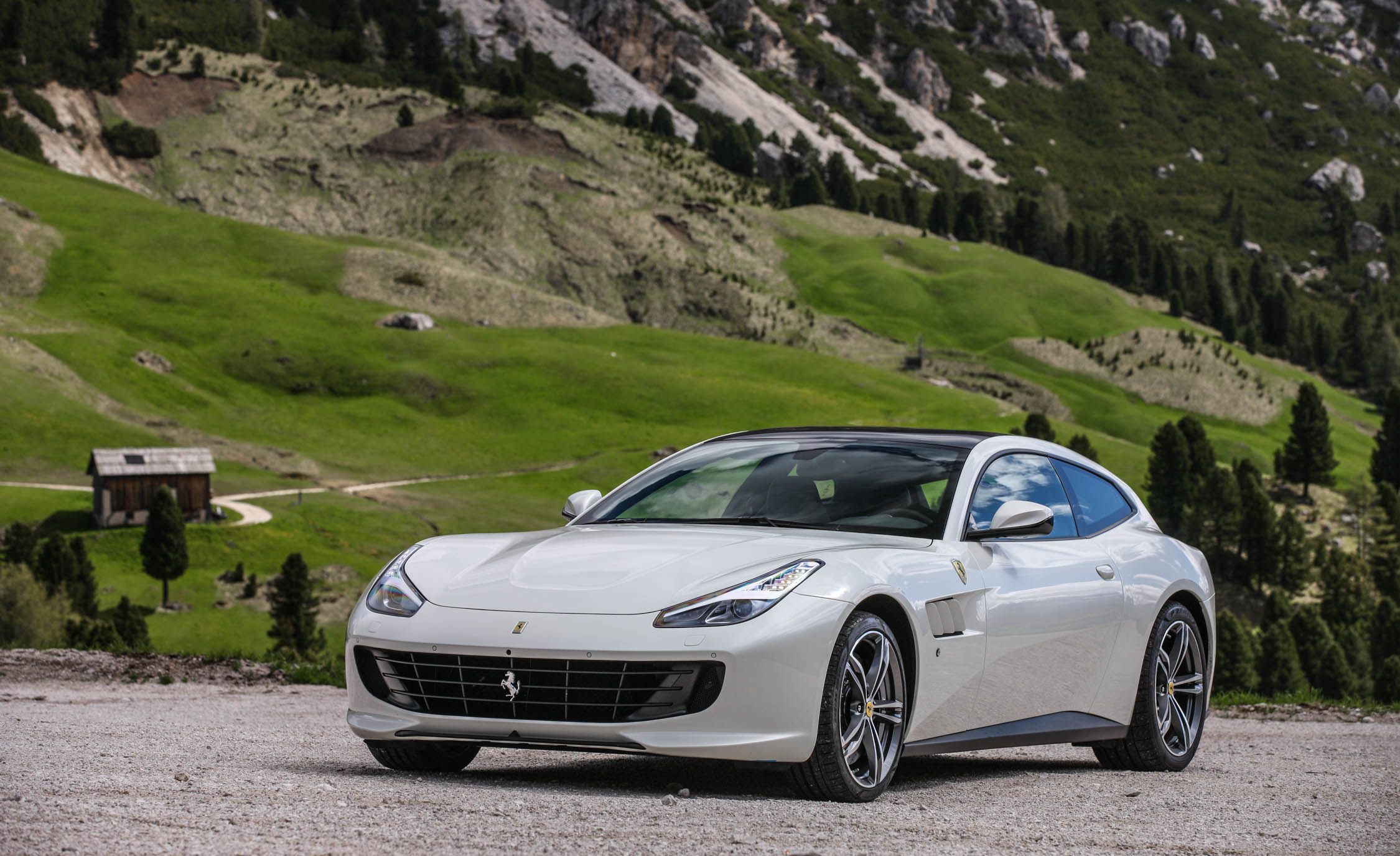 2017 Ferrari GTC4Lusso (Photo 9 of 52)
