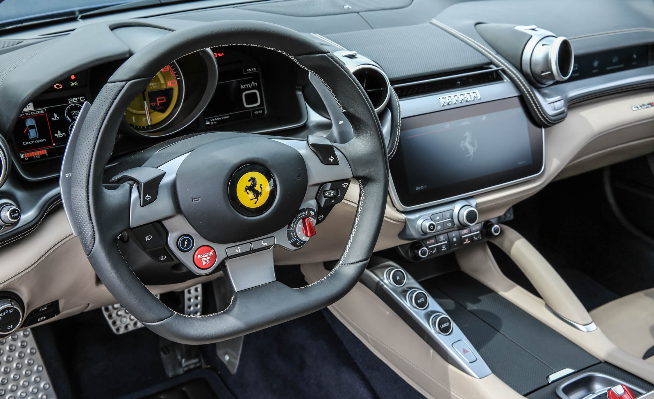 2017 Ferrari GTC4Lusso (Photo 50 of 52)