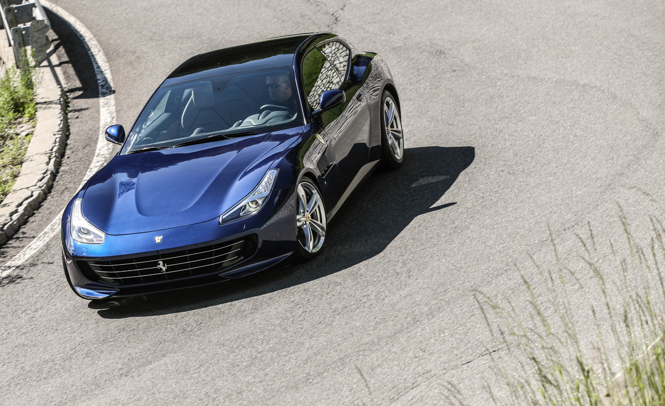 2017 Ferrari GTC4Lusso (Photo 34 of 52)