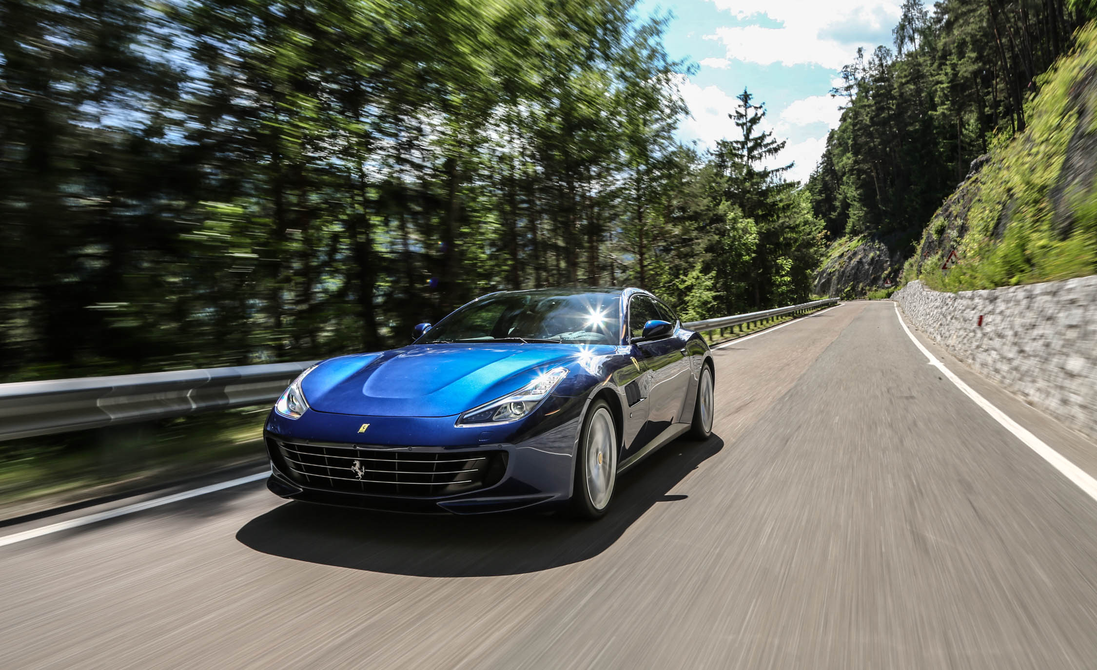 2017 Ferrari GTC4Lusso (Photo 30 of 52)