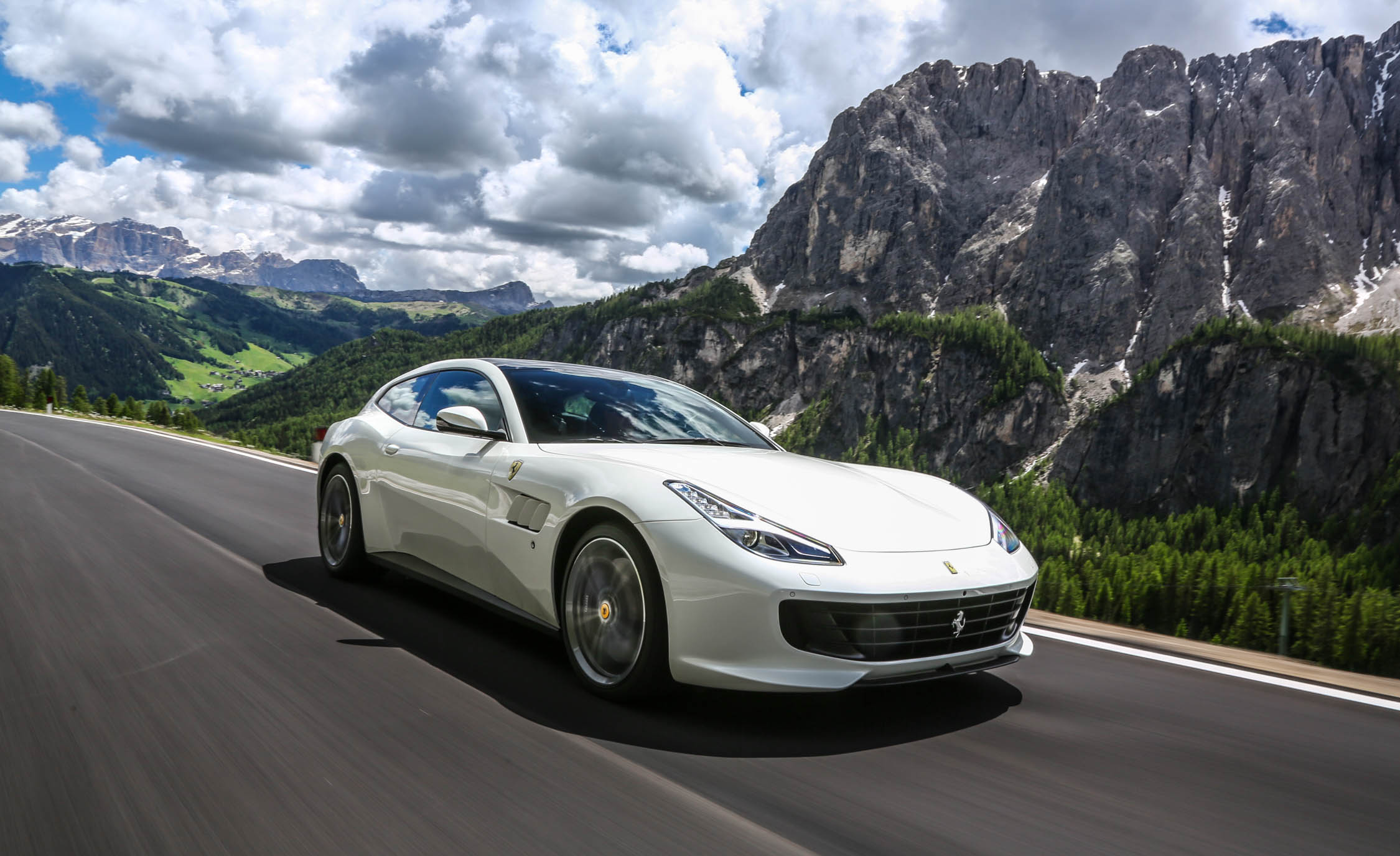 Featured Image of 2017 Ferrari GTC4Lusso