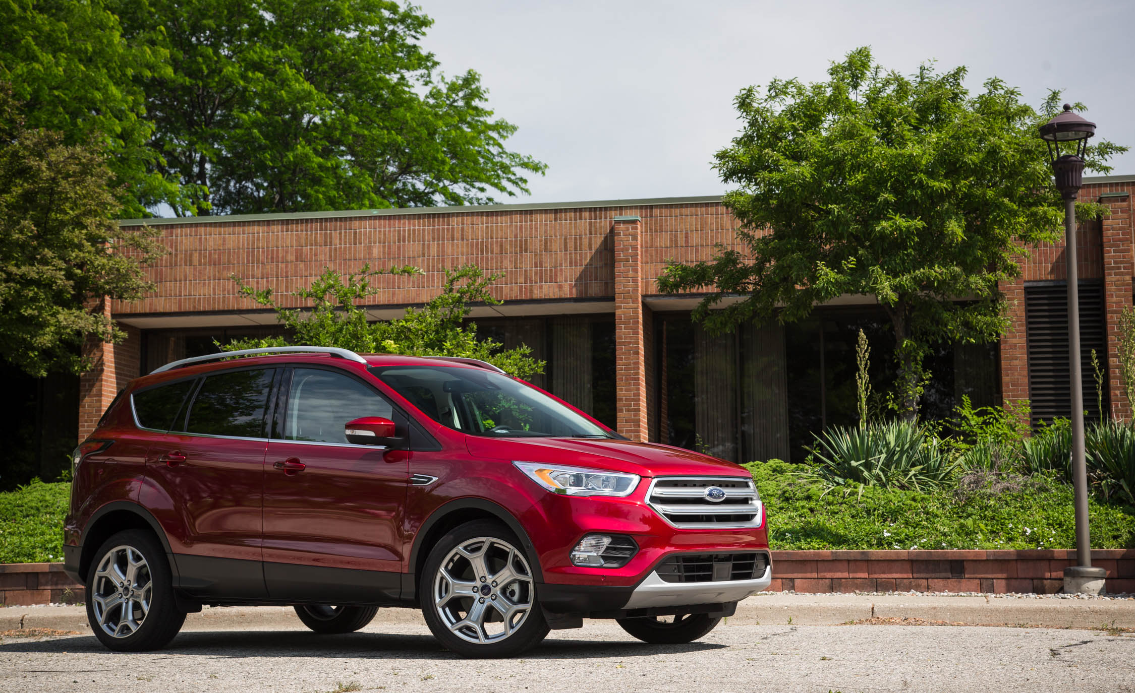 2017 Ford Escape Titanium (Photo 18 of 28)