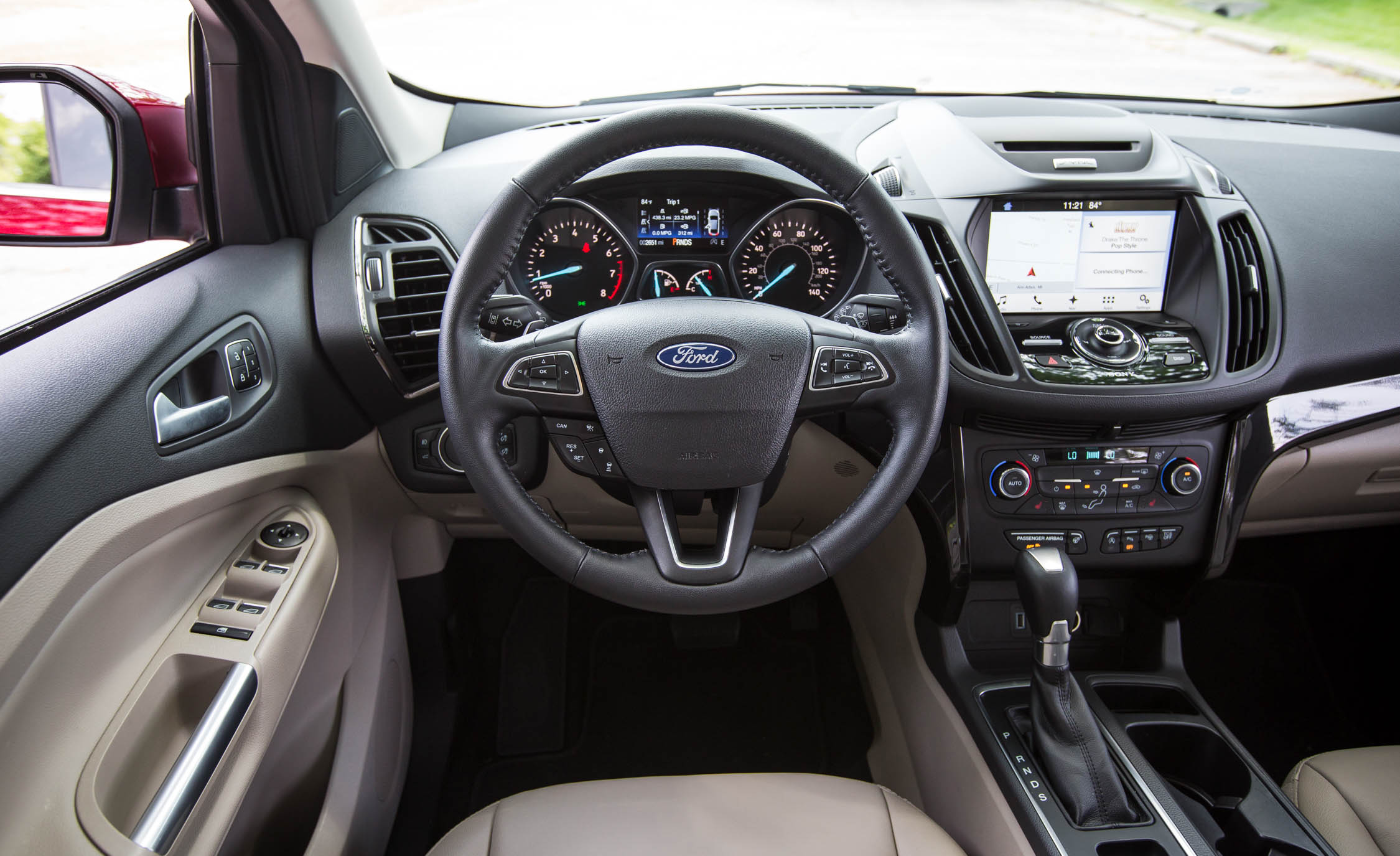 2017 Ford Escape Titanium Interior (Photo 21 of 28)