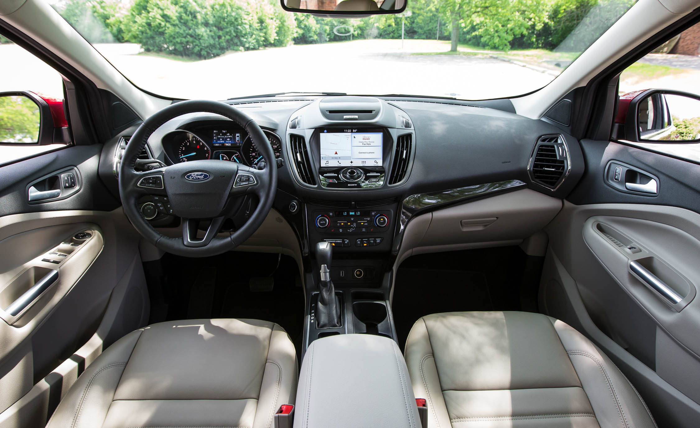 2017 Ford Escape Titanium Interior (Photo 27 of 28)
